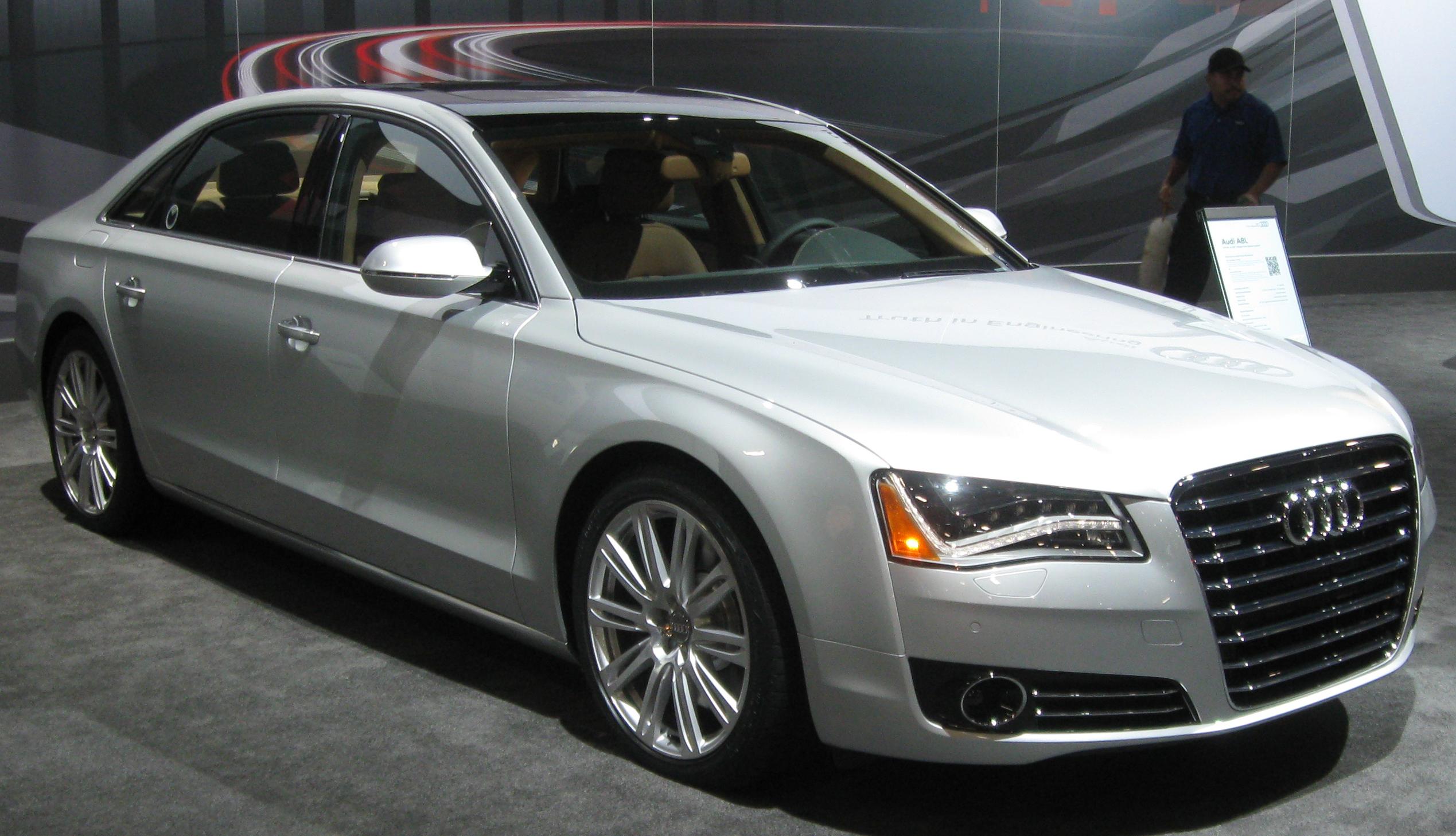 2011 Audi A8 Image 10
