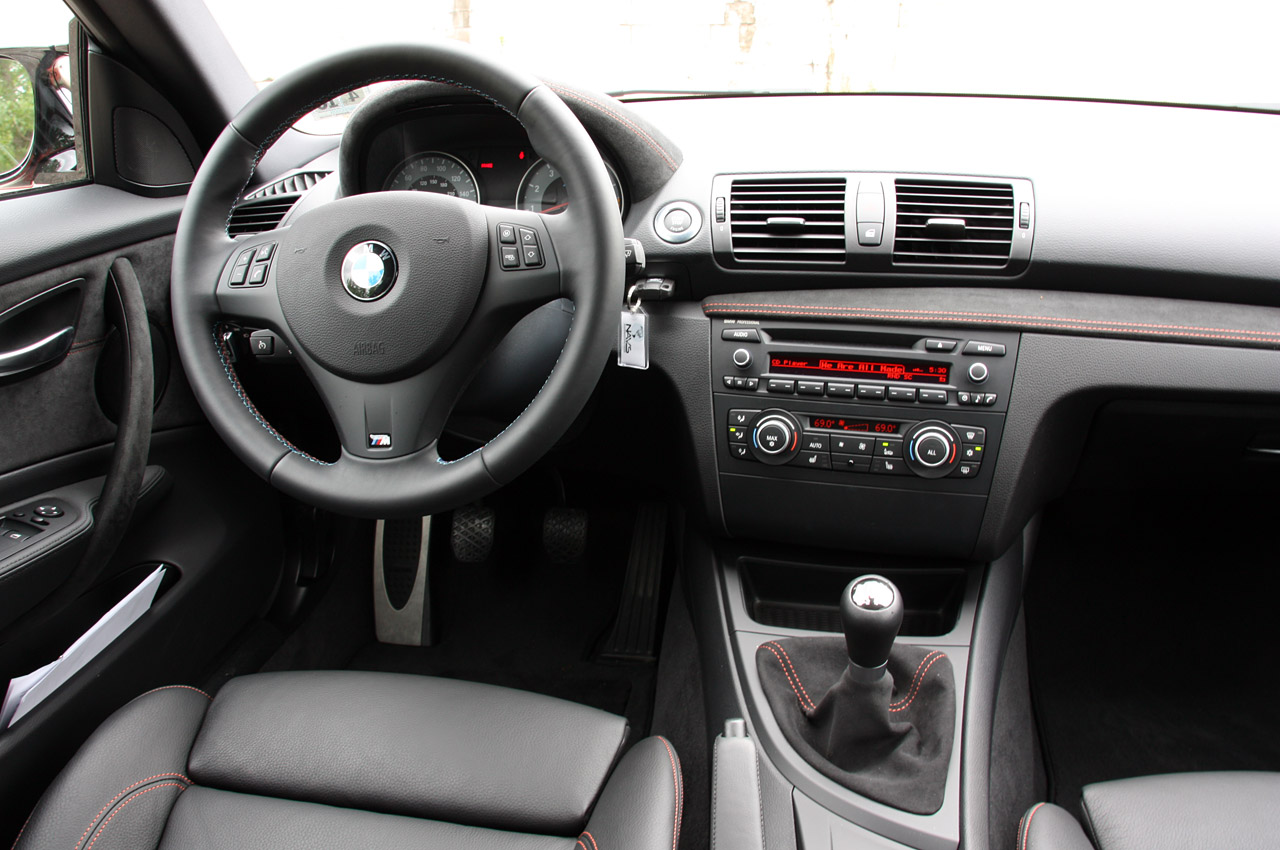 2011 bmw 1 series m image 13 for Bmw serie 9 interieur