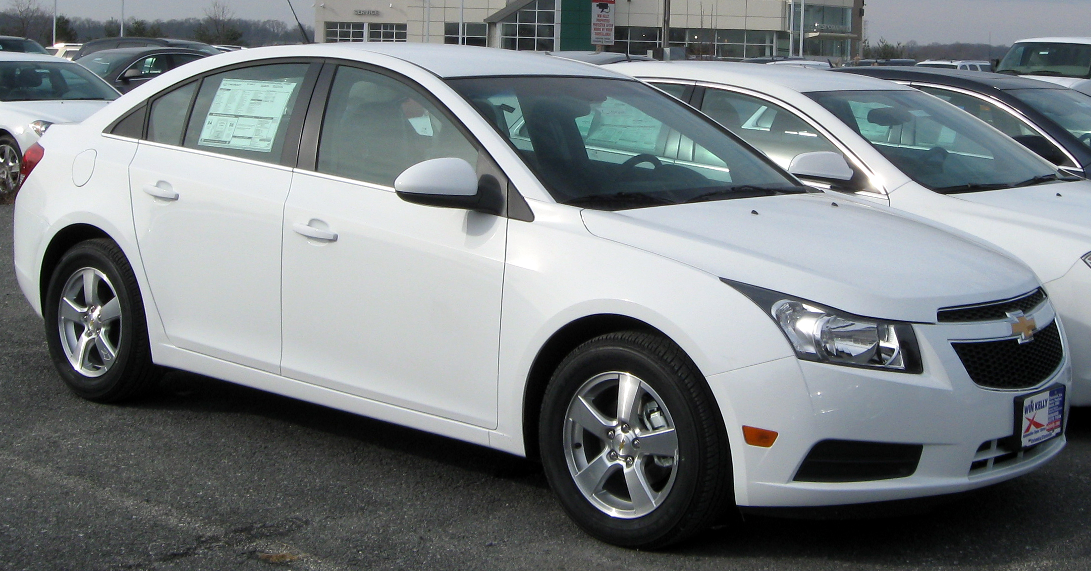 2011 Chevrolet Cruze Information And Photos Zombiedrive