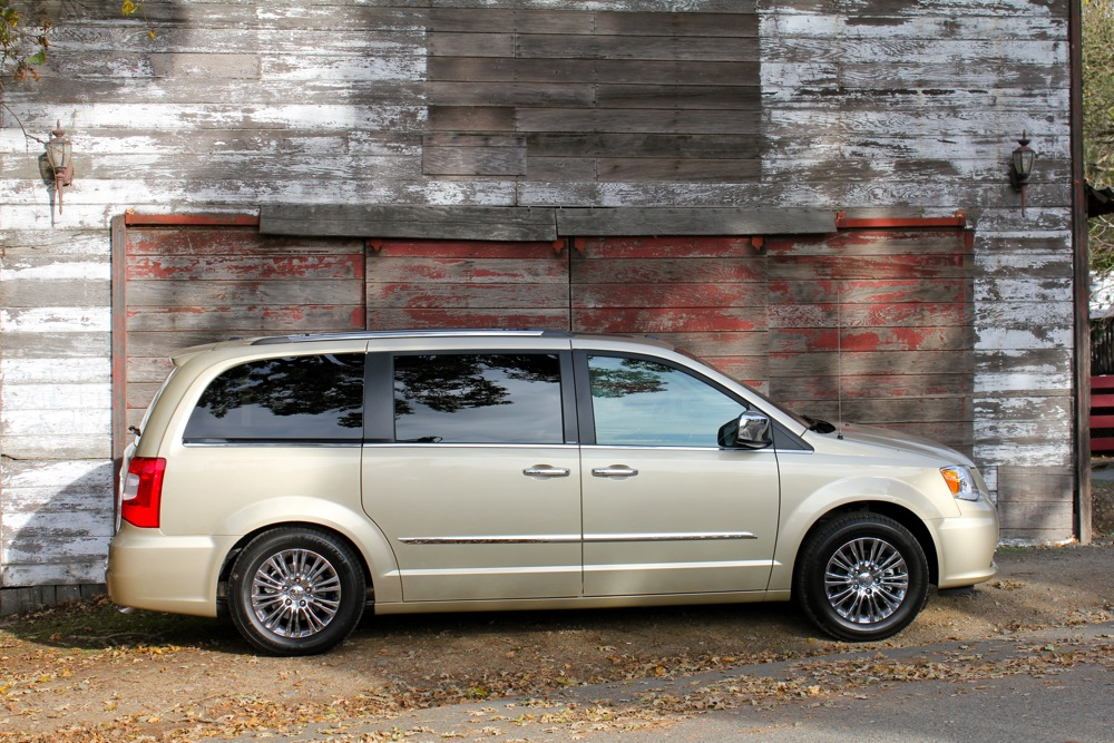 Chrysler Town and Country #14