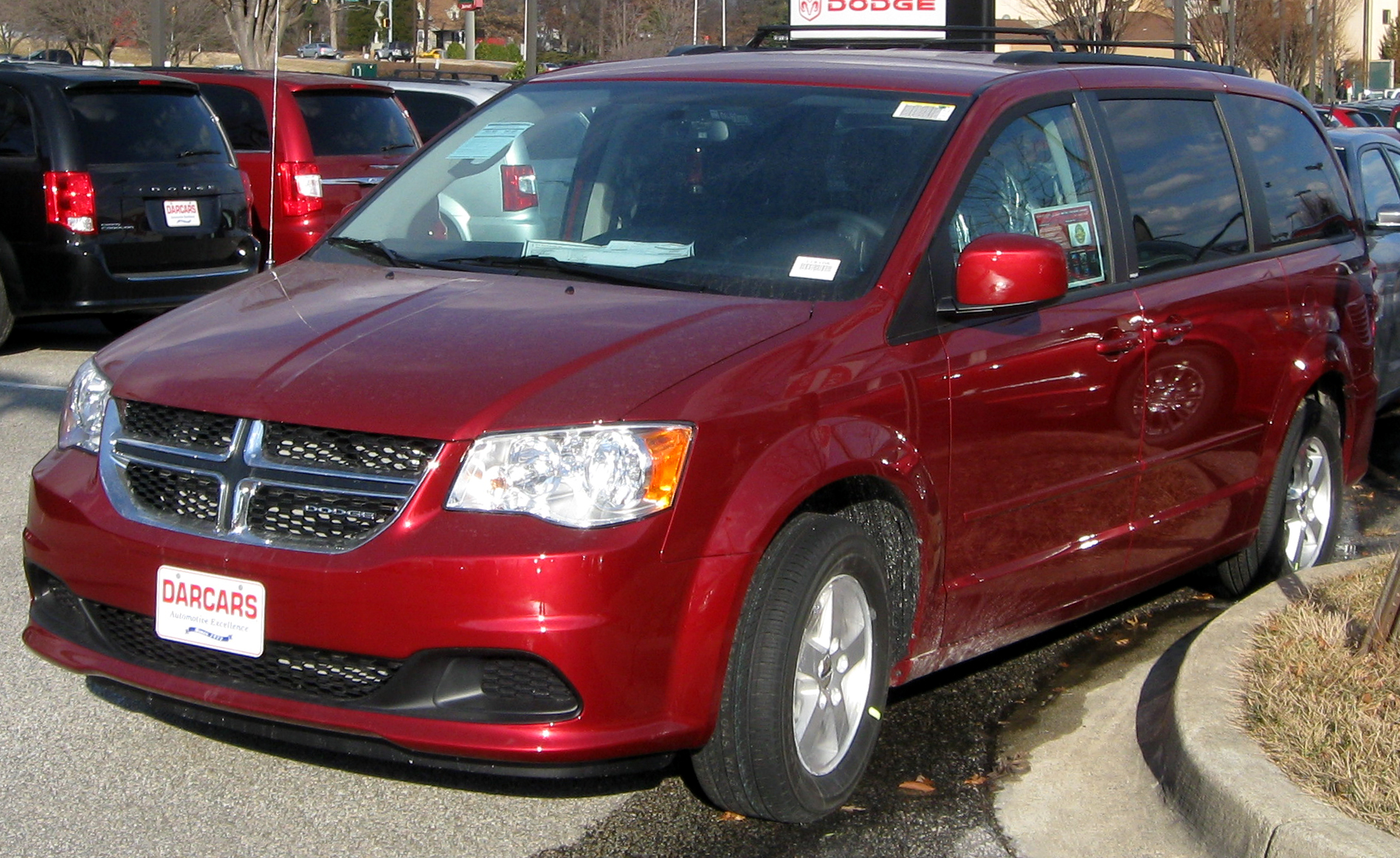 Used 2011 Dodge Grand Caravan Pricing & Features | Edmunds