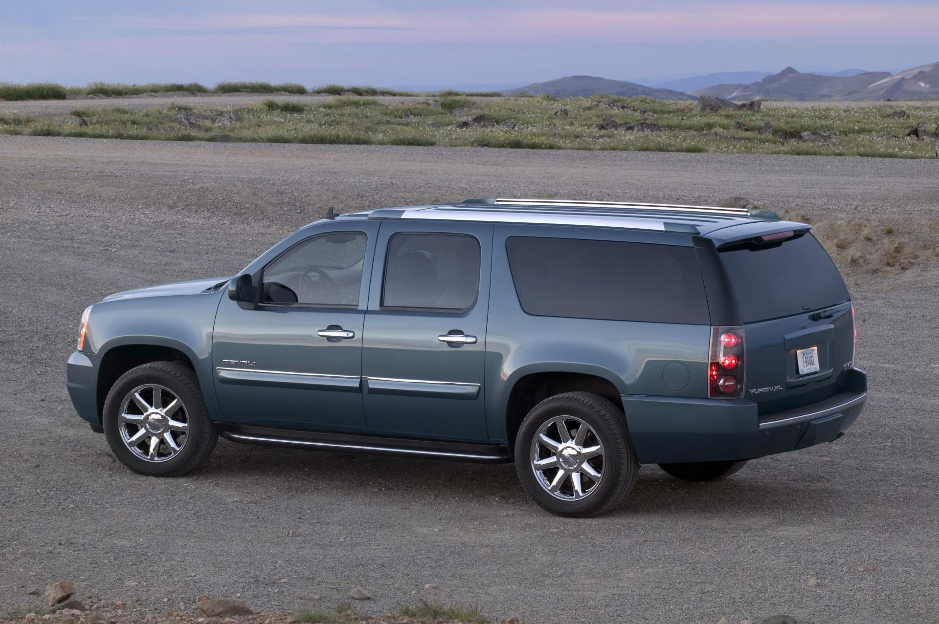 Gmc Yukon Information And Photos Zombiedrive