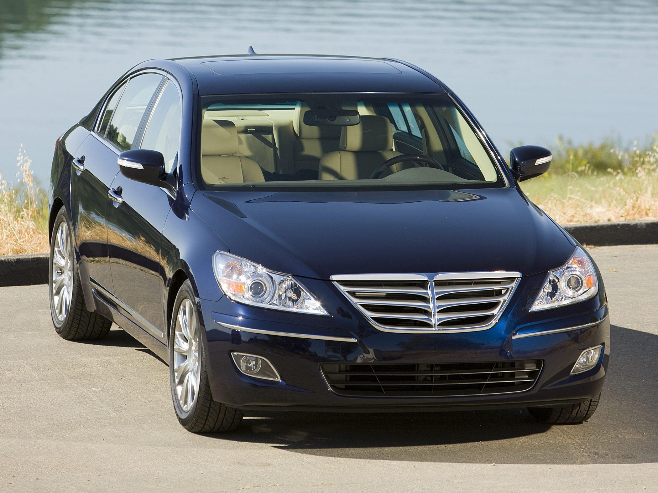 2011 Hyundai Genesis Image 16