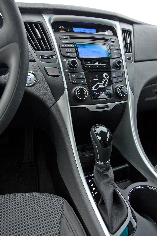 2011 Hyundai Sonata Image 18