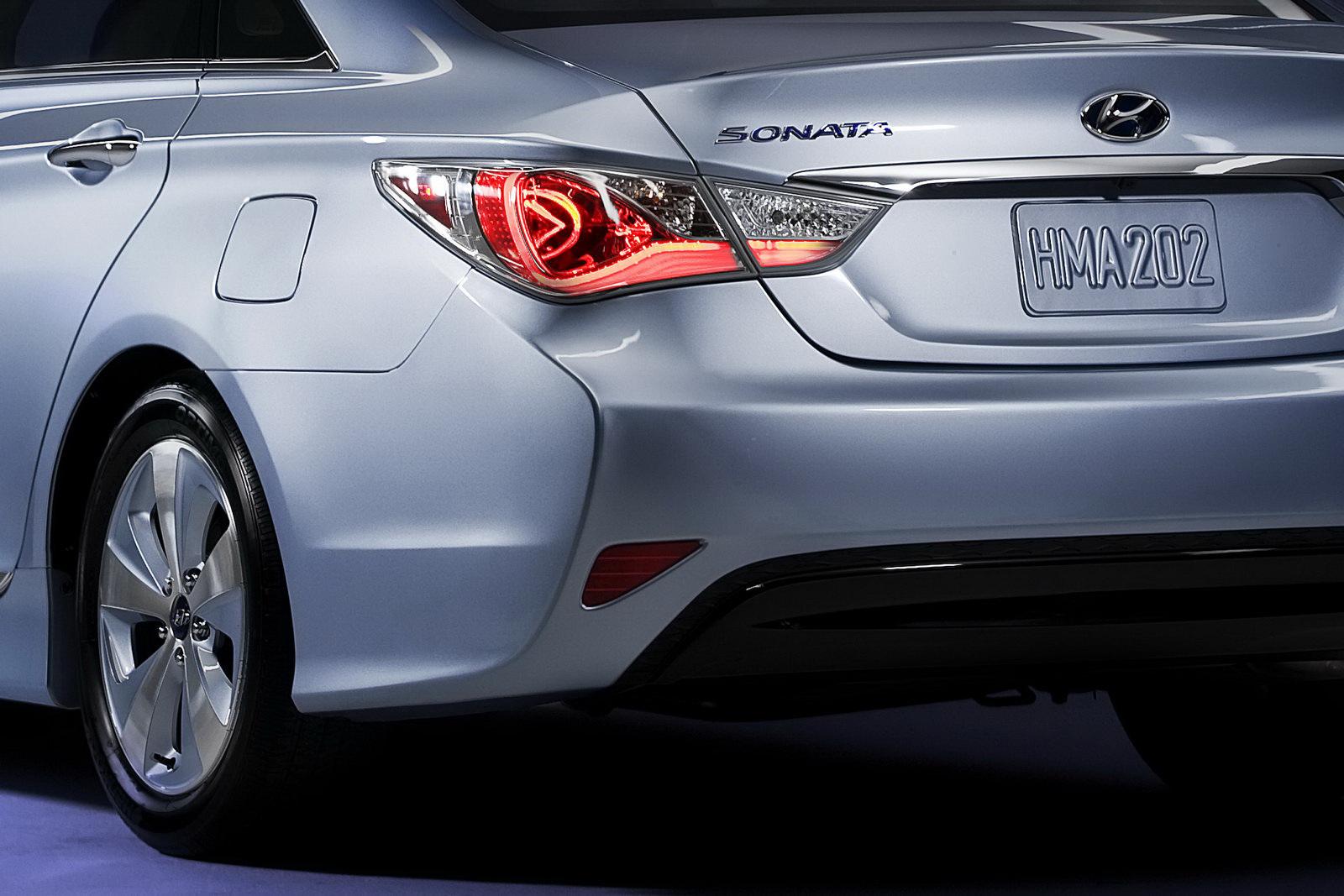 2011 Hyundai Sonata Hybrid Image 11