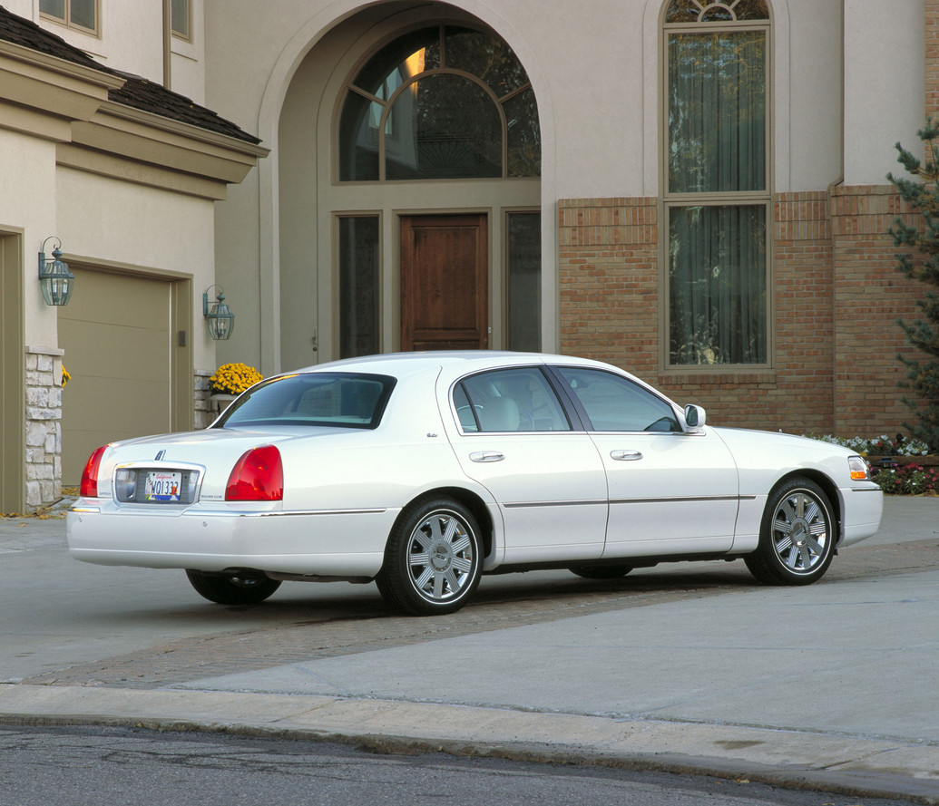 2011 Lincoln Town Car Image 14