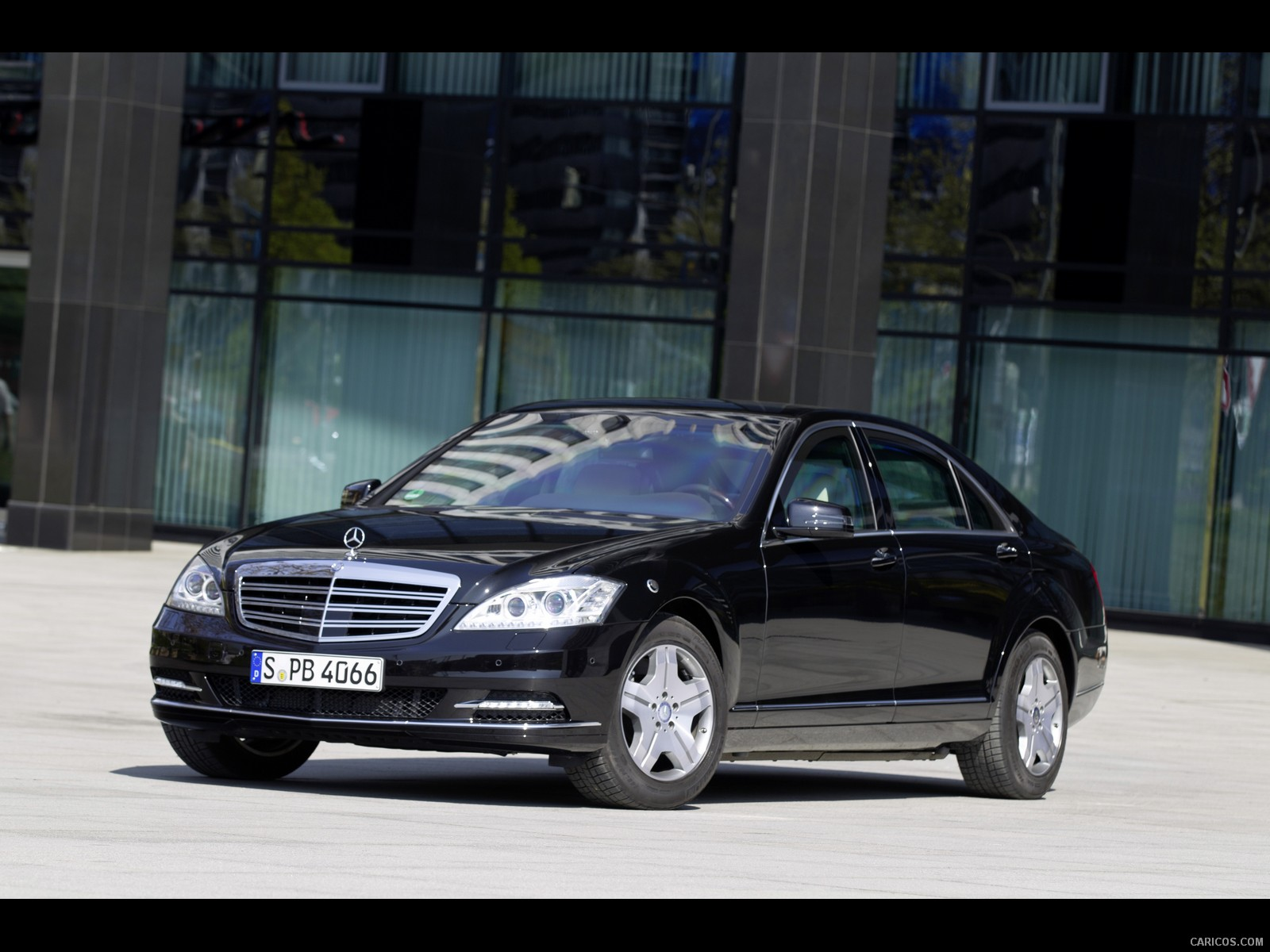 2011 Mercedes-Benz S-Class - Information and photos - ZombieDrive