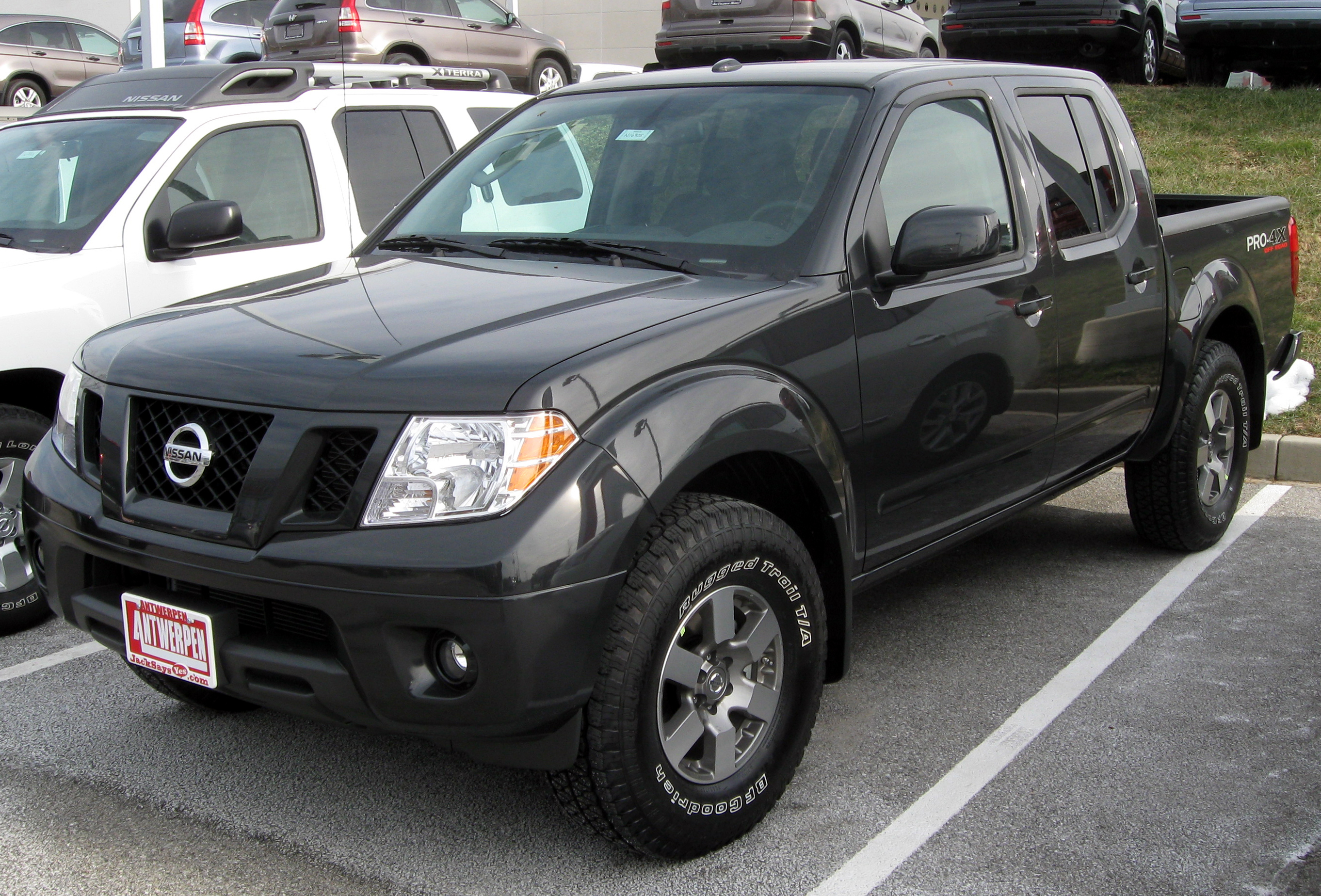 2011 nissan frontier - information and photos - zombiedrive