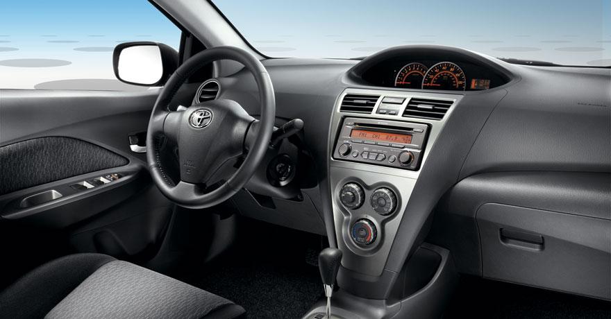 2017 Toyota Yaris 14