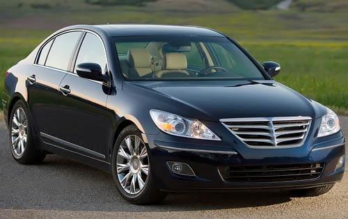 2011 Hyundai Genesis Image 1