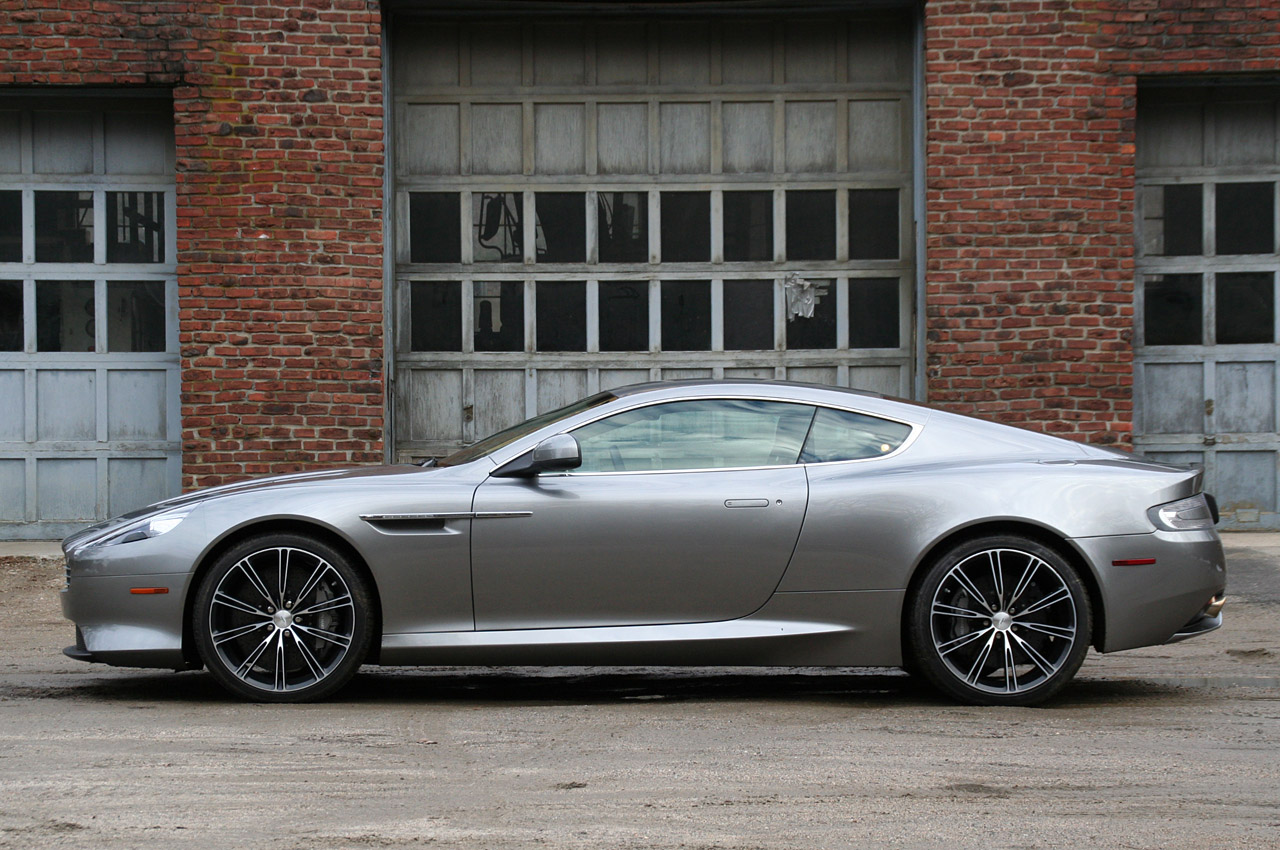Aston Martin Virage #11