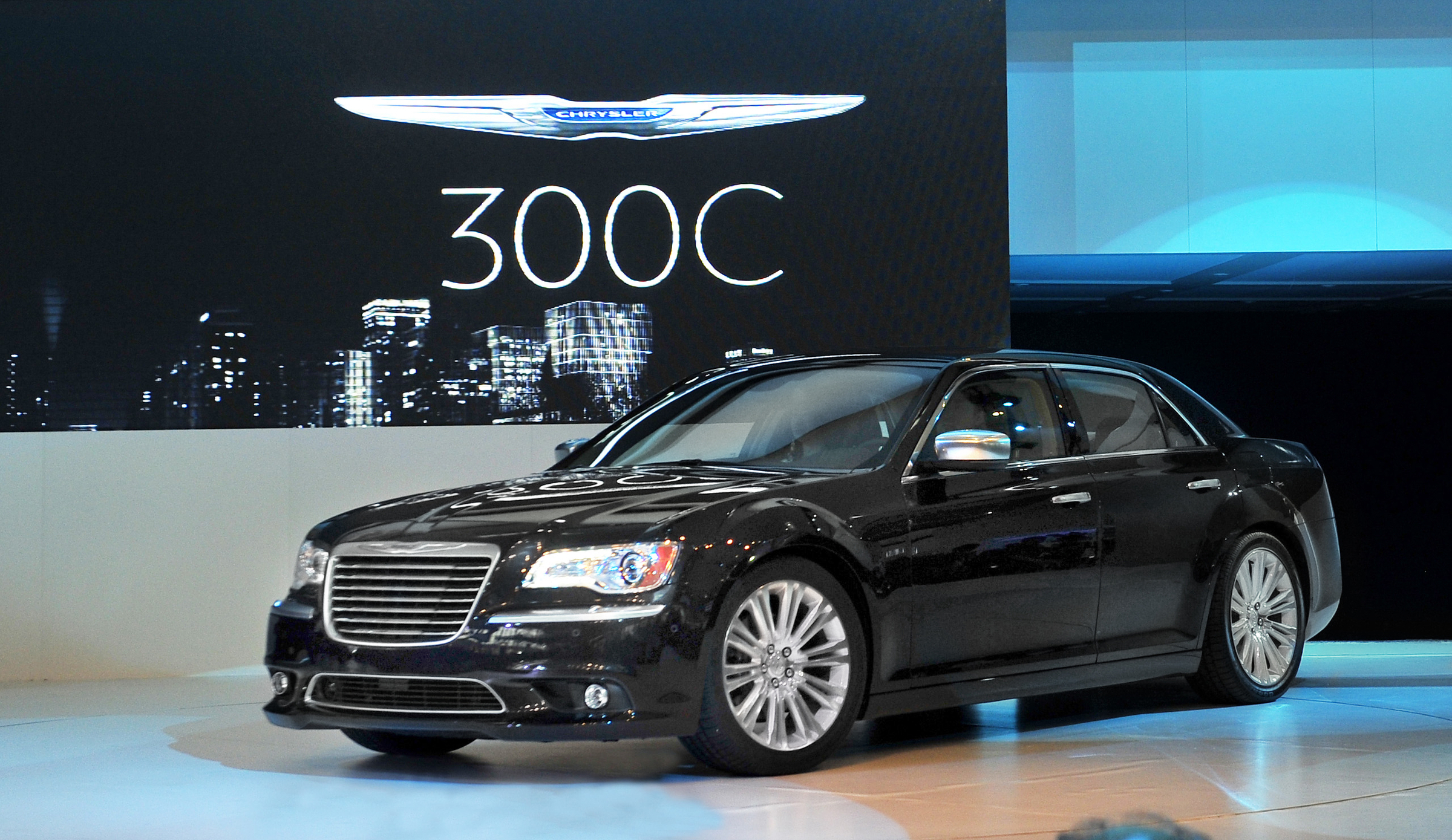 2012 chrysler 300 information and photos zombiedrive. Black Bedroom Furniture Sets. Home Design Ideas
