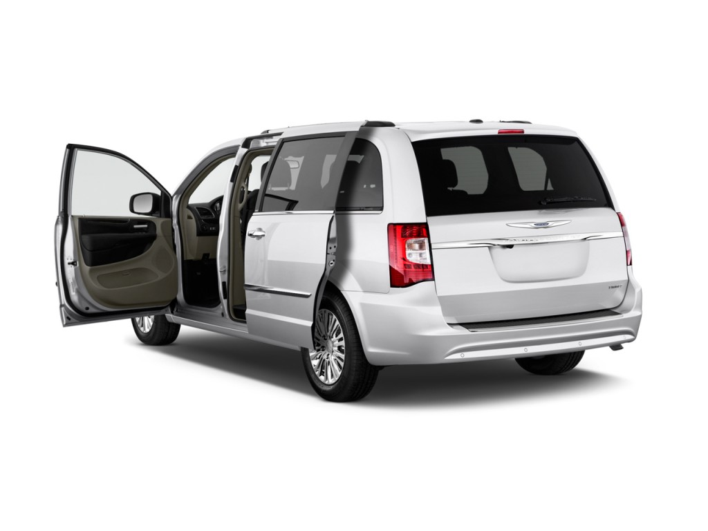 Chrysler Town and Country #11