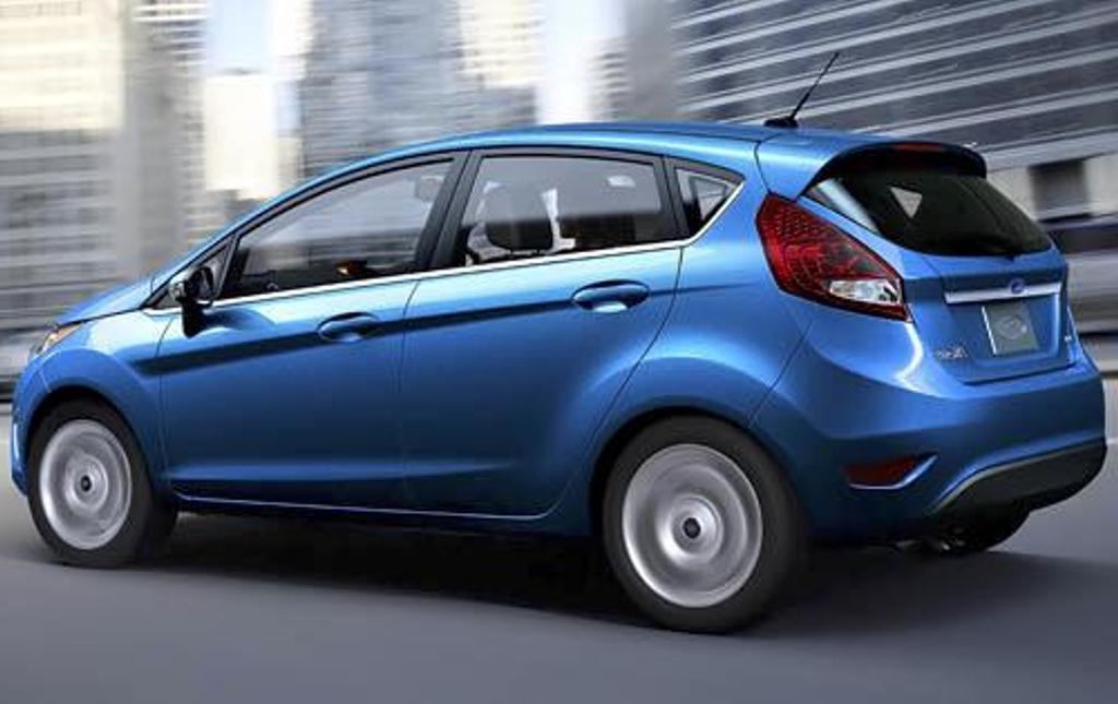 2012 Ford Fiesta Image 15