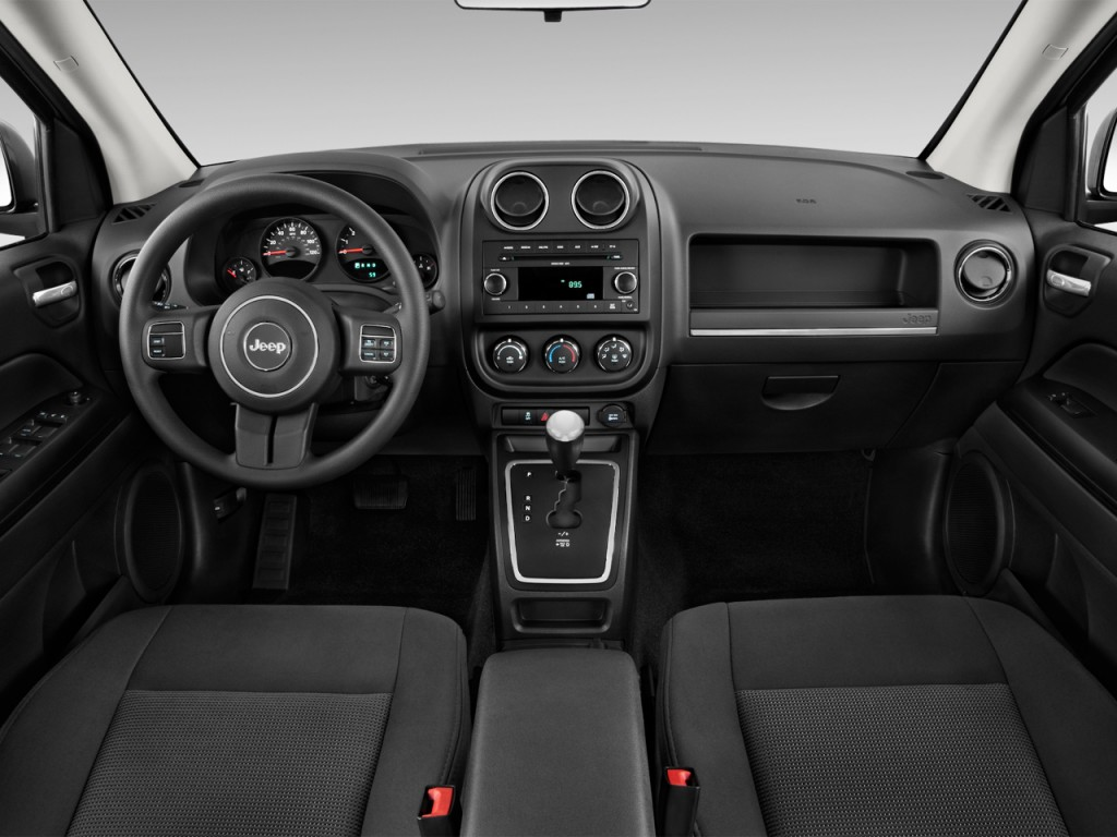 2012 jeep compass image 6