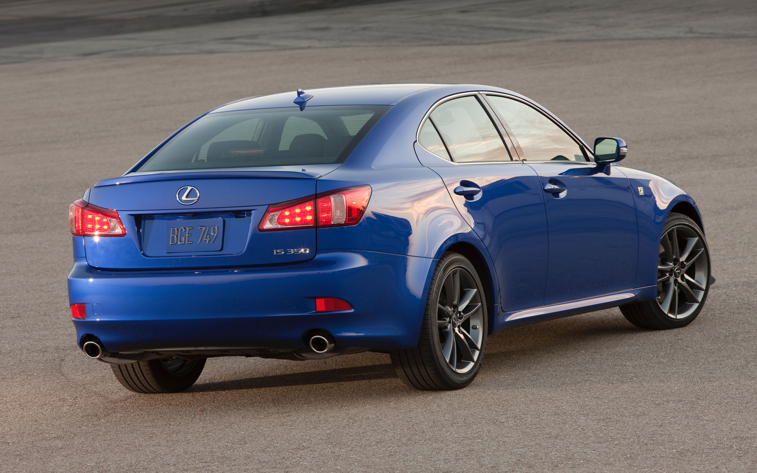 2012 lexus is 350 - information and photos - zombiedrive