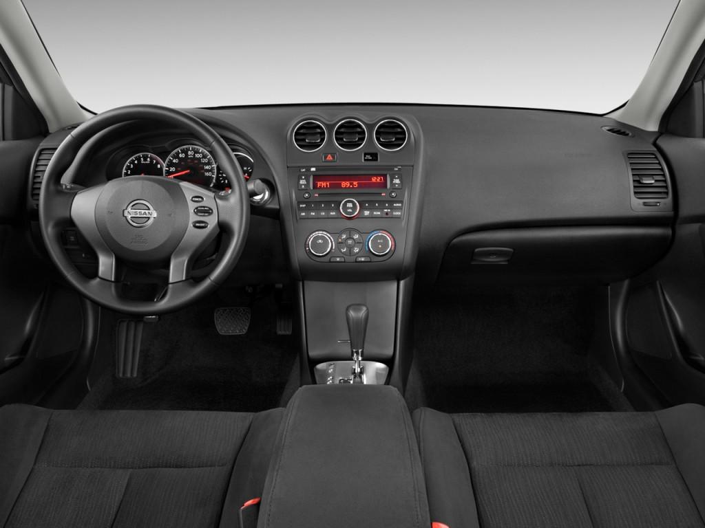 2012 Nissan Altima #18 Nissan Altima #18