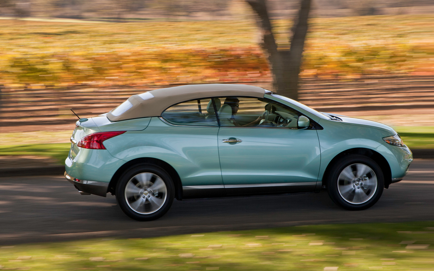 2012 nissan murano crosscabriolet - information and photos