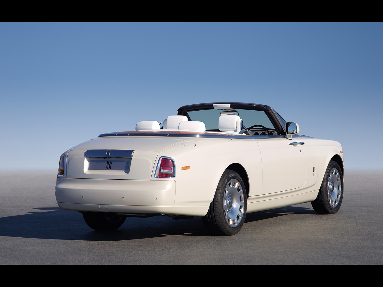 Rolls-Royce Phantom Drophead Coupe #9