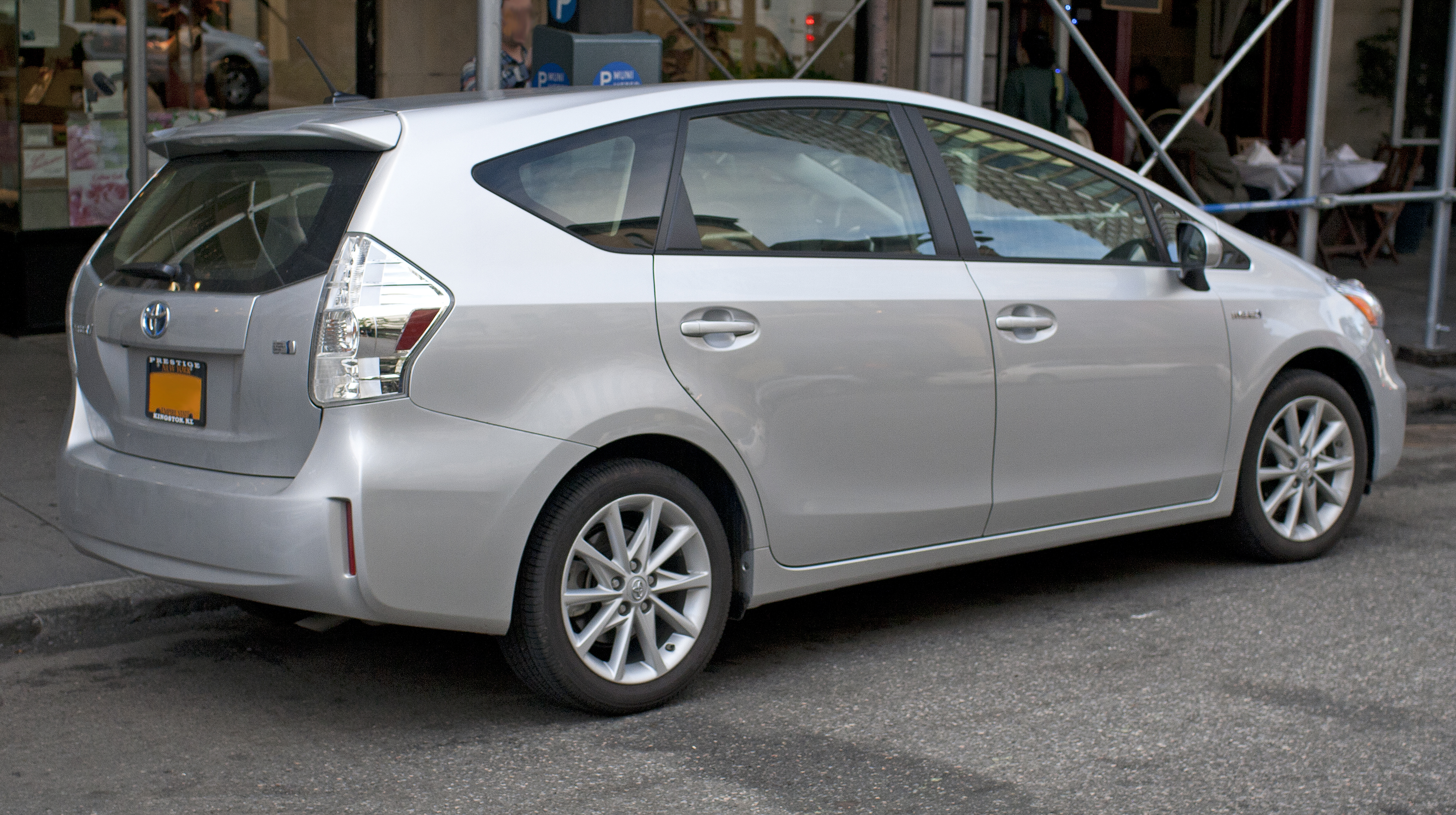 2012 toyota prius v information and photos zombiedrive. Black Bedroom Furniture Sets. Home Design Ideas