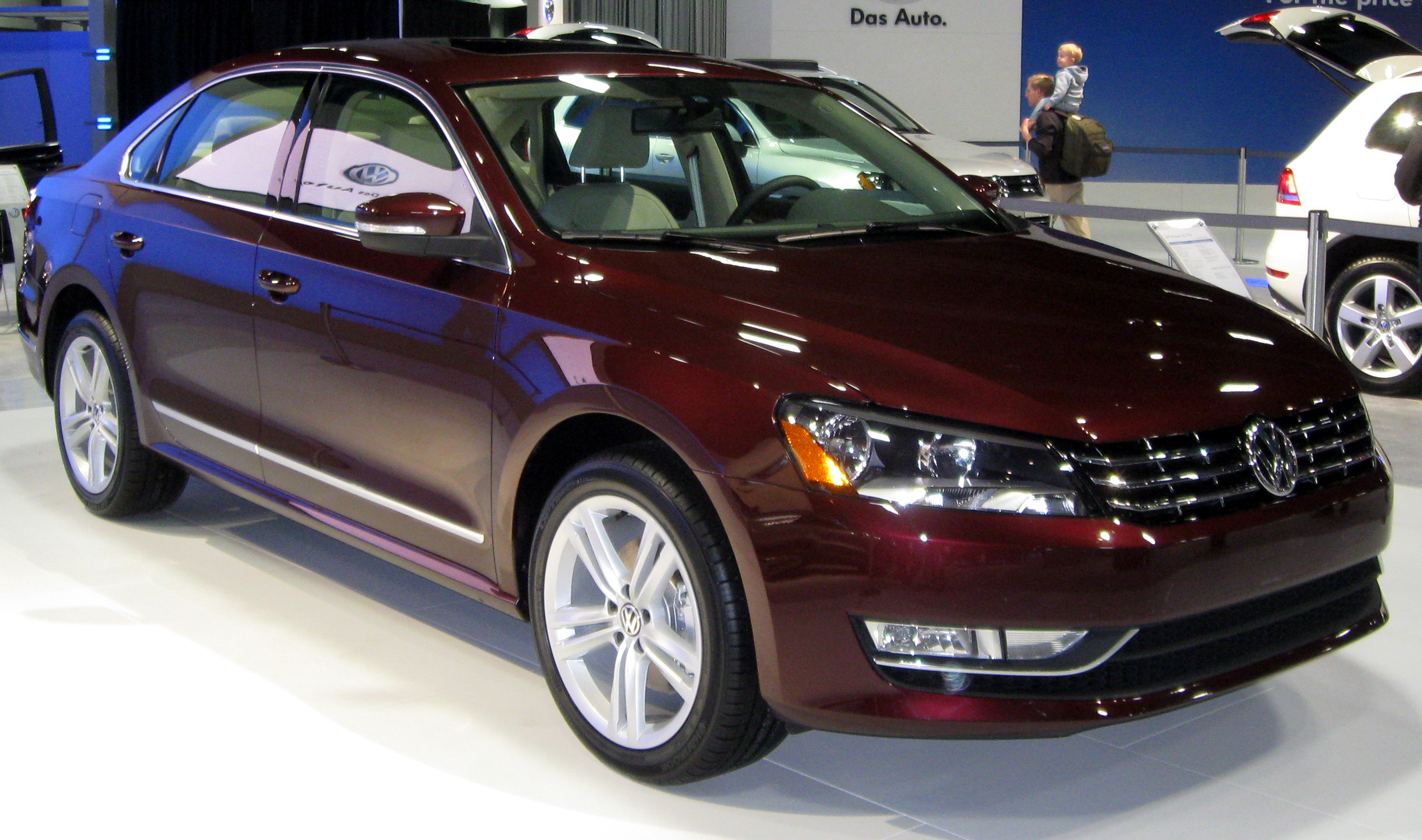 2012 volkswagen passat information and photos zombiedrive. Black Bedroom Furniture Sets. Home Design Ideas