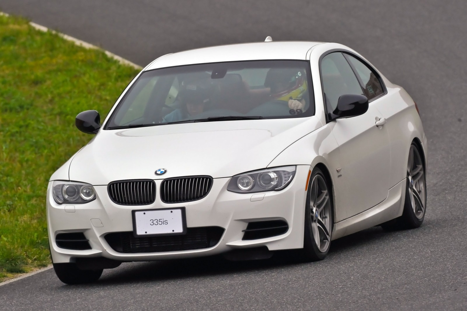 2012 Bmw 3 Series Image 2