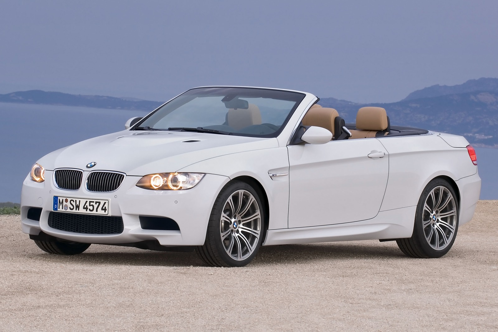 2012 BMW M3 Convertible G interior #7