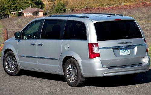 2012 Chrysler Town and Co exterior #4