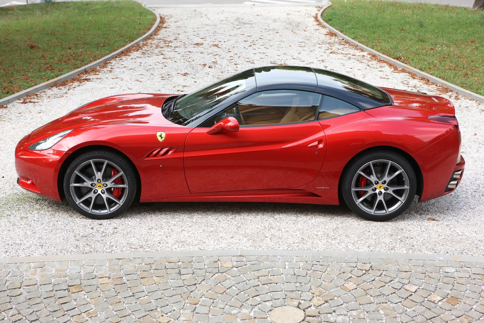 2012 Ferrari California C interior #4