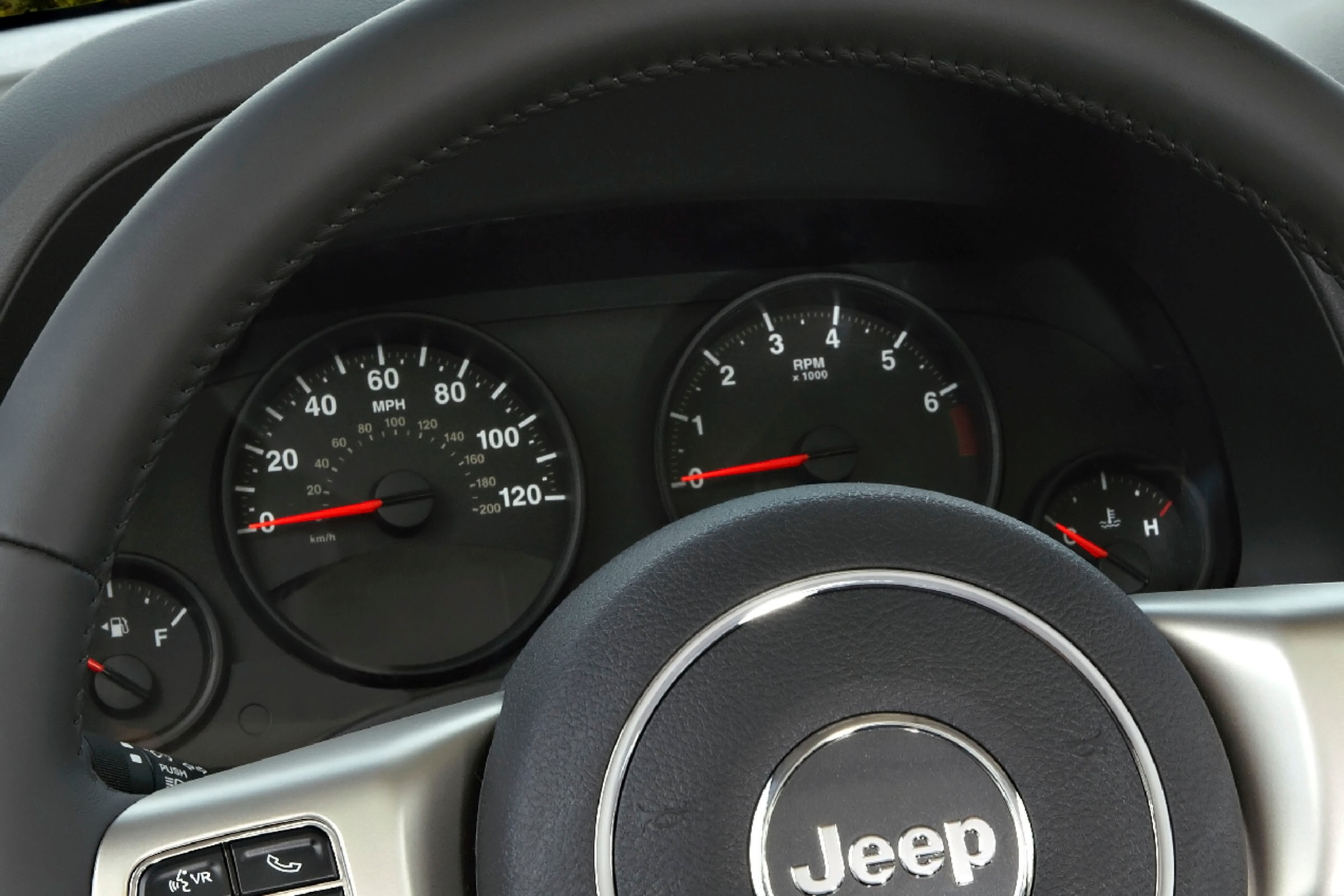 2012 Jeep Patriot Latitud interior #9