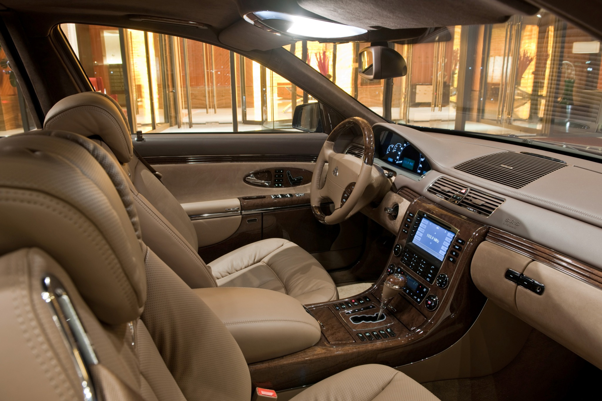 2012 Maybach 62 Sedan Rea interior #6