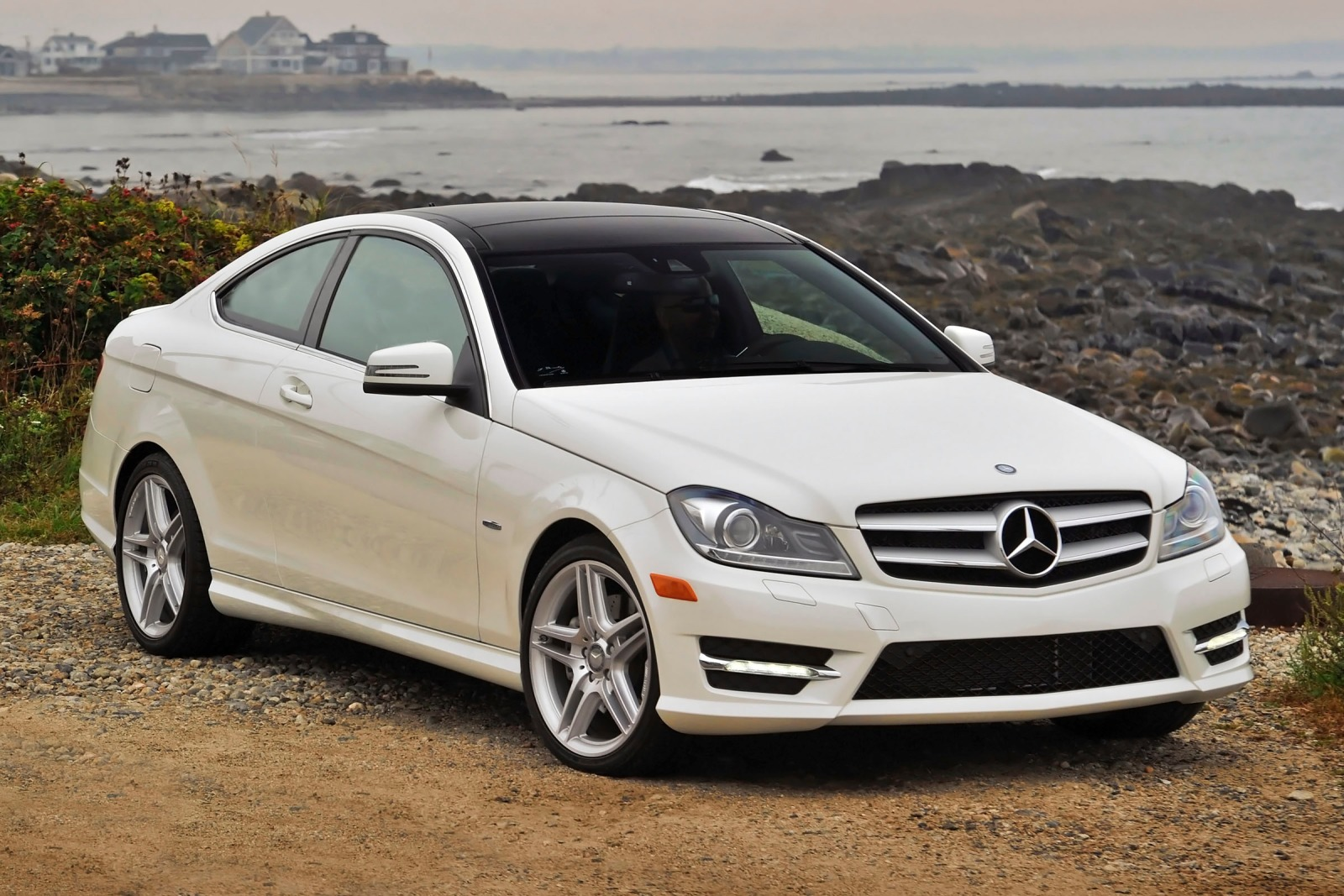 2012 mercedes benz c class information and photos zombiedrive. Black Bedroom Furniture Sets. Home Design Ideas