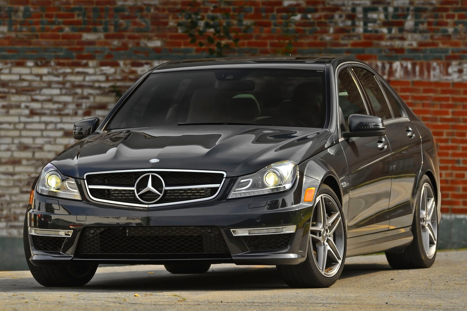 2012 mercedes benz c class image 4 for Mercedes benz maintenance schedule
