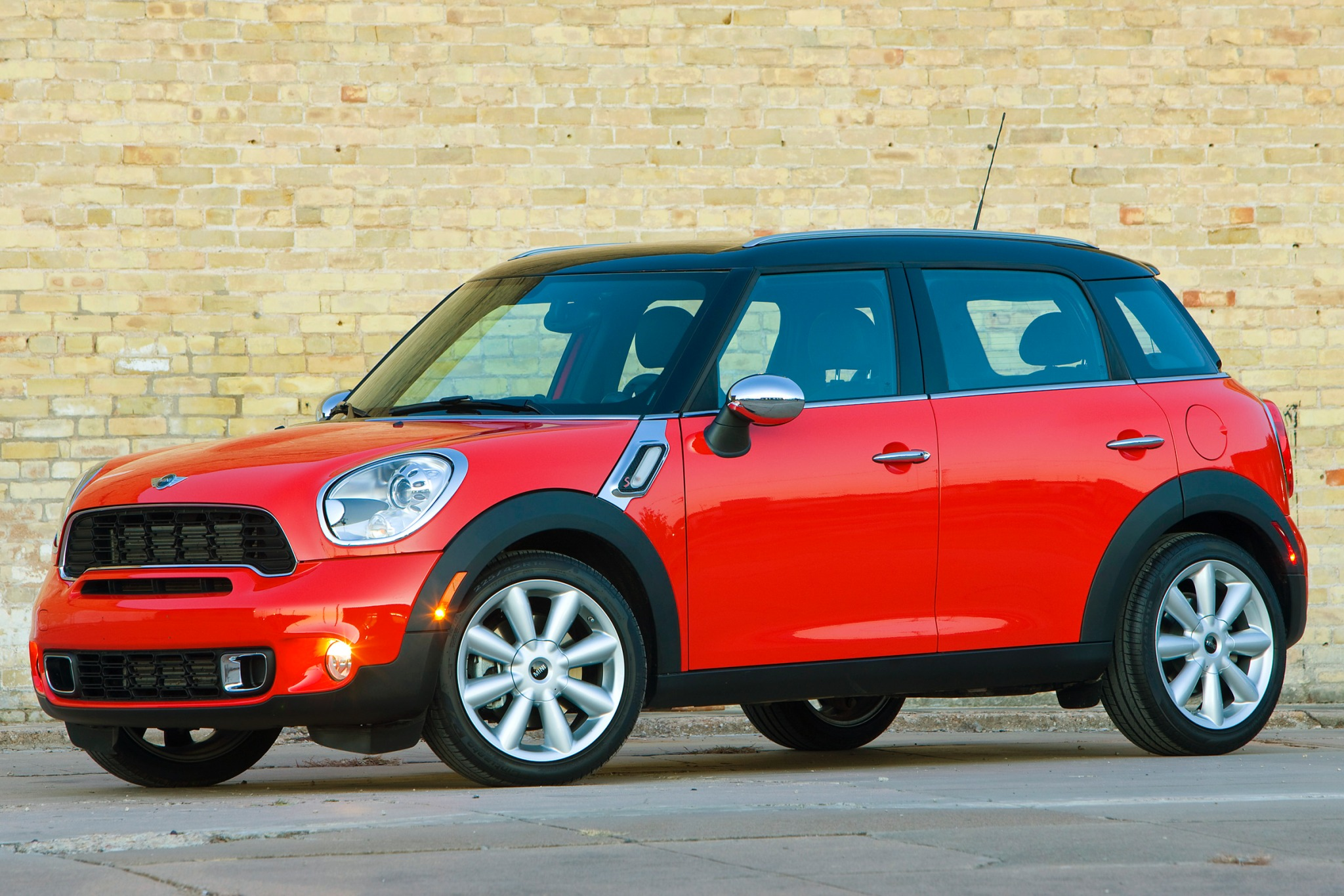 2012 MINI Cooper Countrym exterior #3