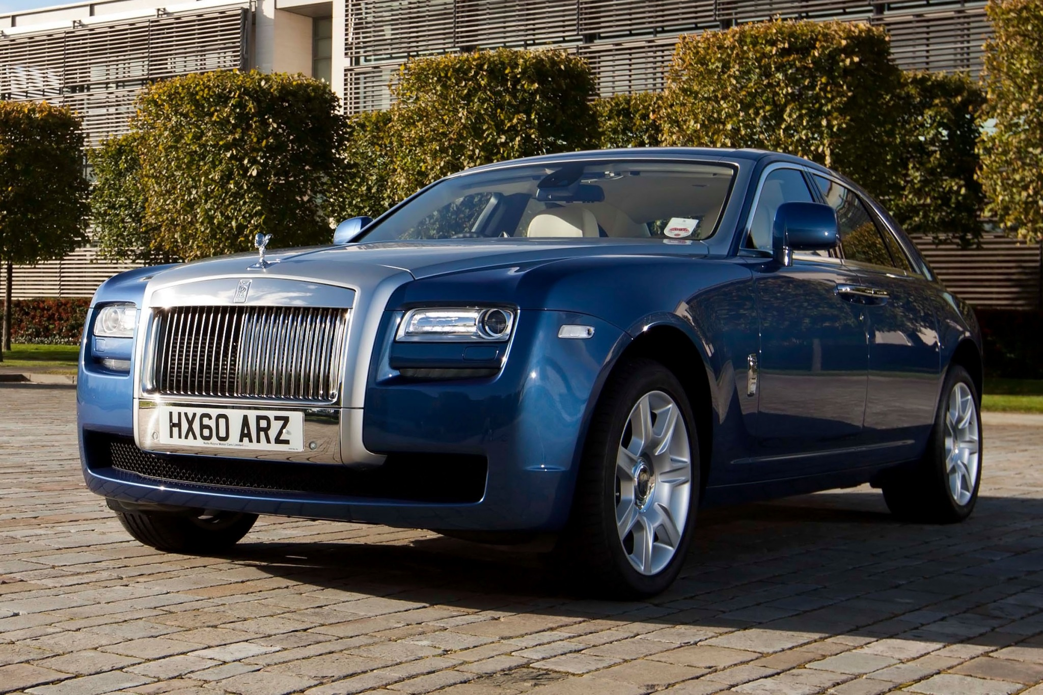 2012 Rolls-Royce Ghost EW interior #2