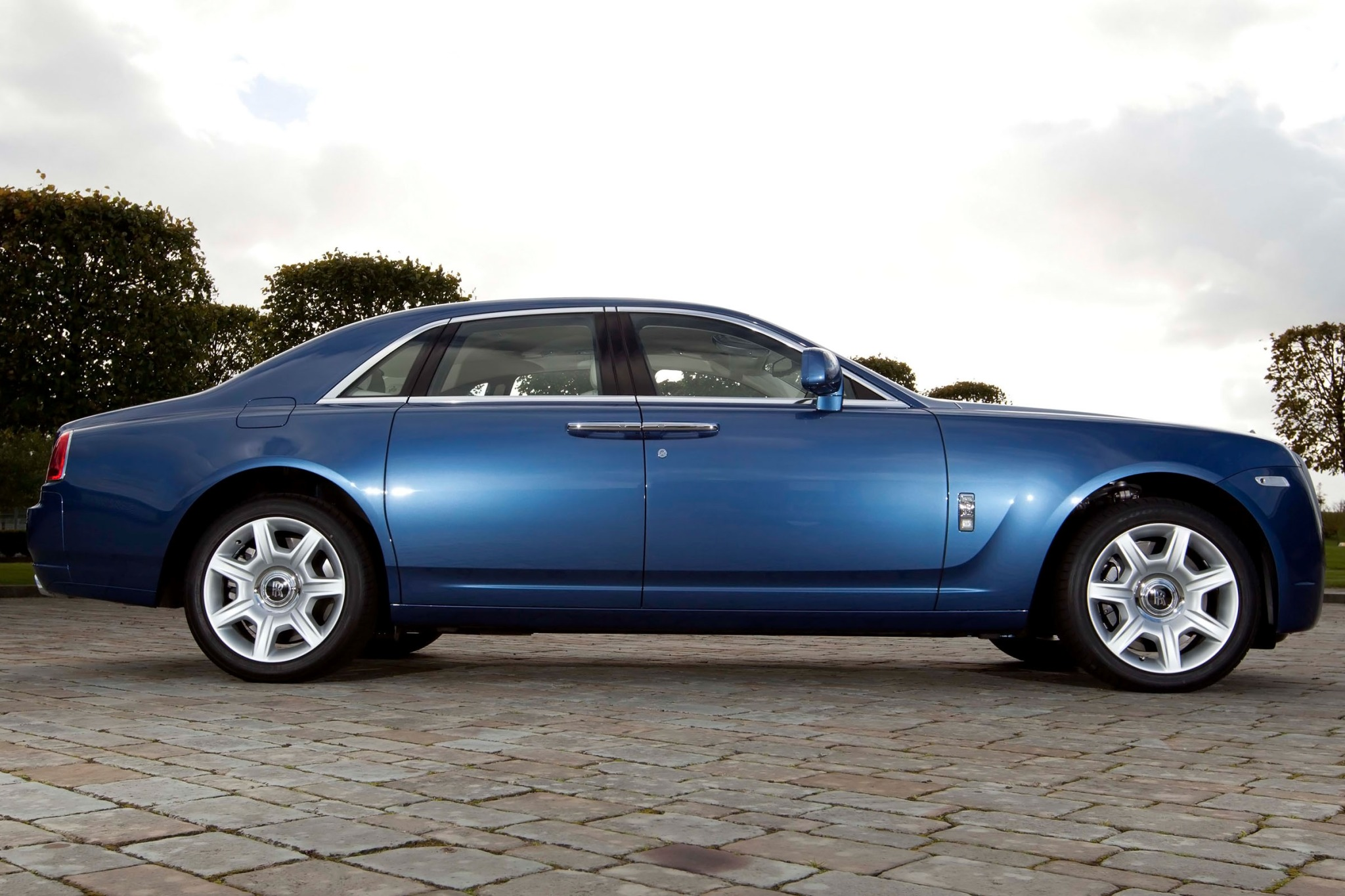 2012 Rolls-Royce Ghost EW interior #7