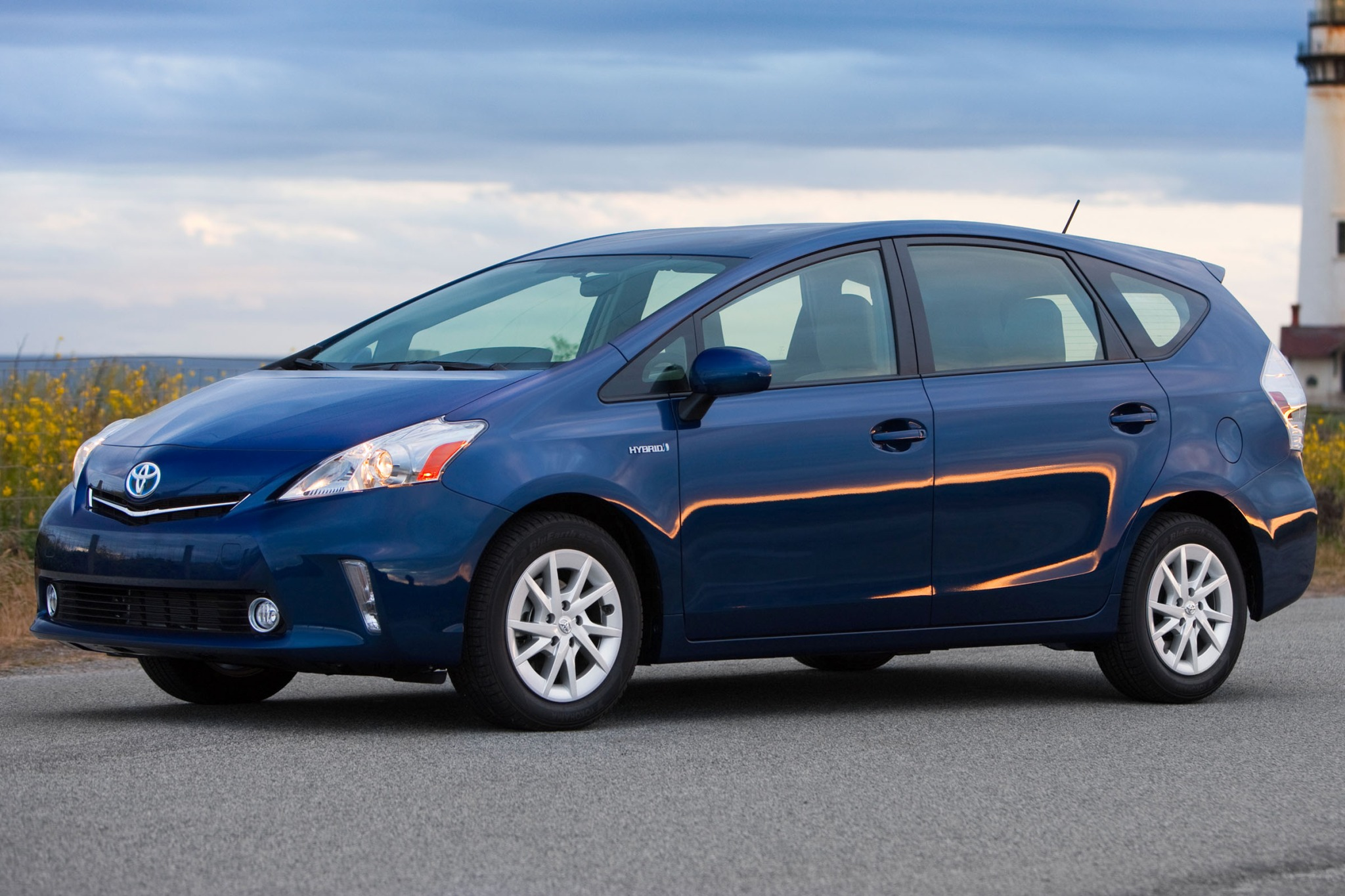 2013 toyota prius v reviews toyota prius v price photos html page contact us page about us. Black Bedroom Furniture Sets. Home Design Ideas