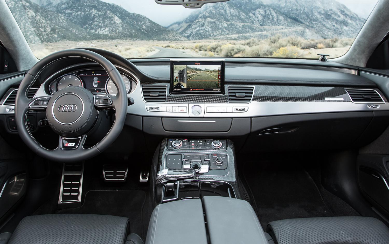 2013 Audi S8 Image 11