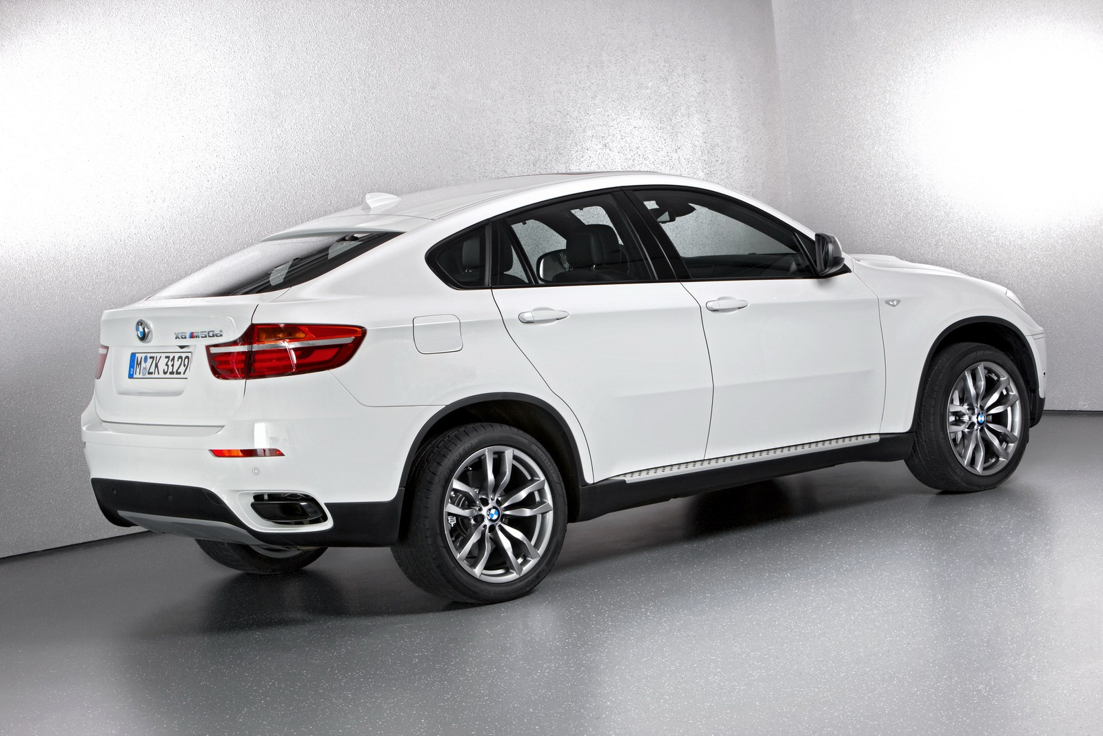 2013 BMW X6 - Information and photos - ZombieDrive