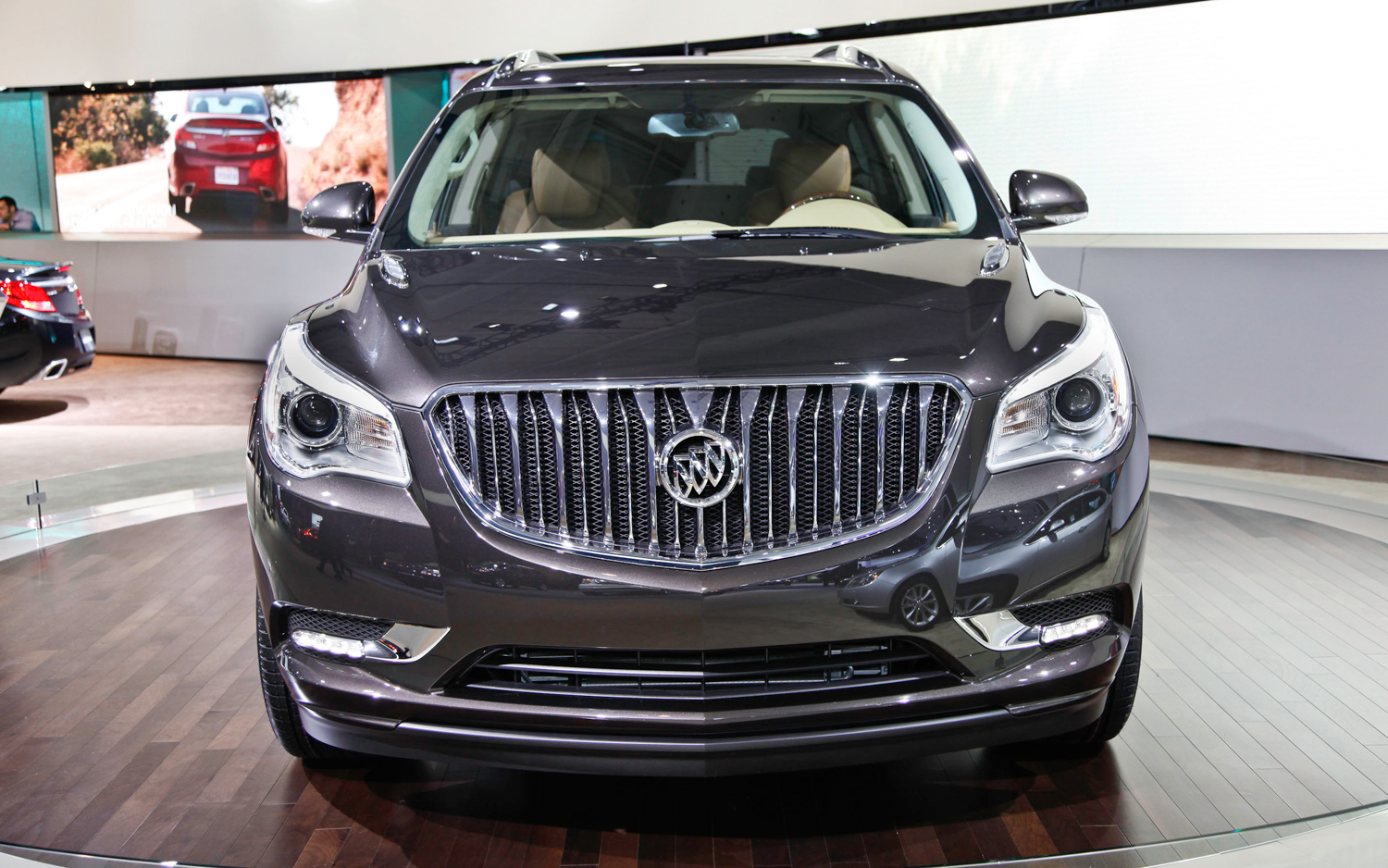 dashboard u world report cars news s buick trucks photos interior enclave pictures