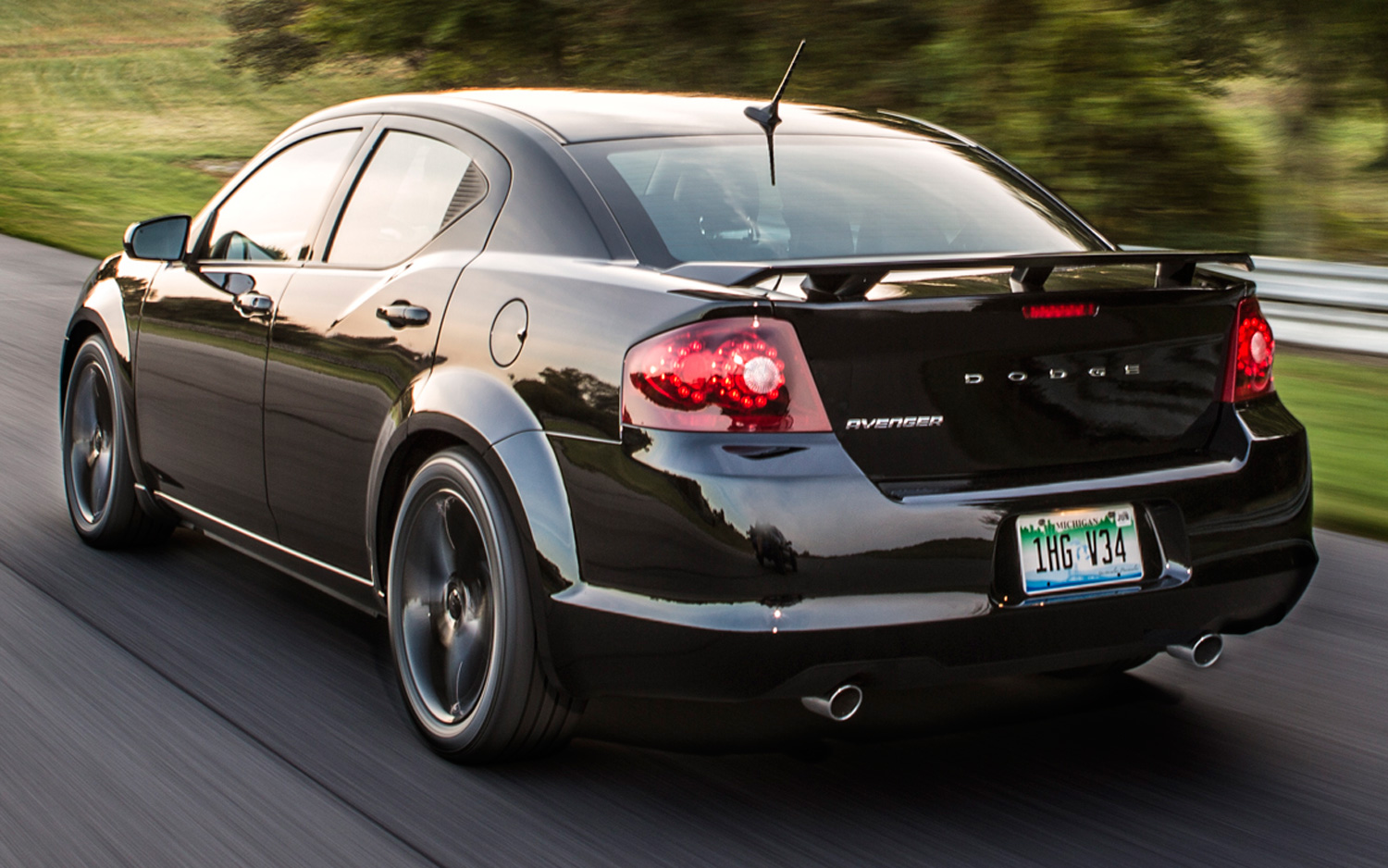 2013 dodge avenger - information and photos - zombiedrive
