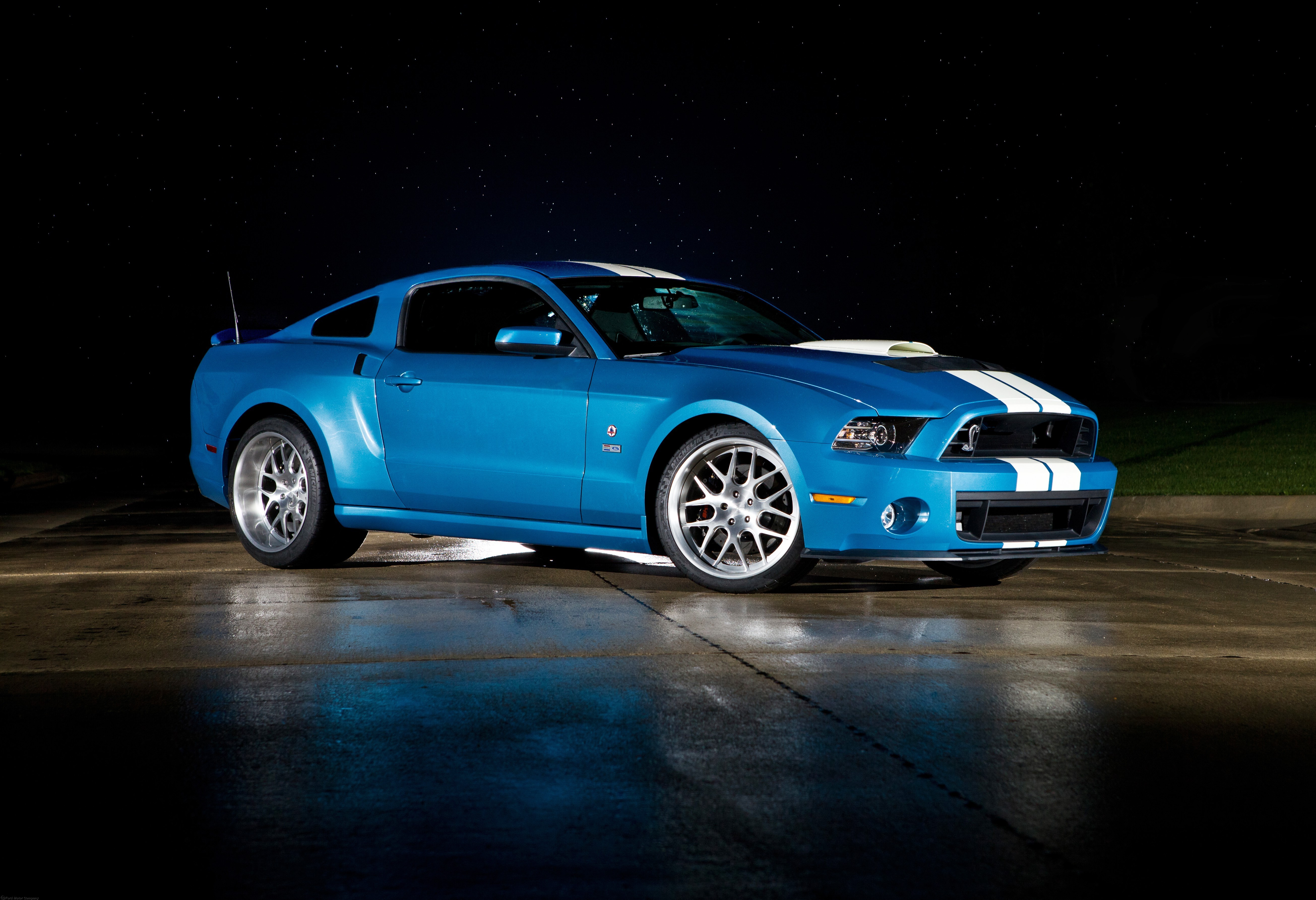 Ford Shelby GT500 #19