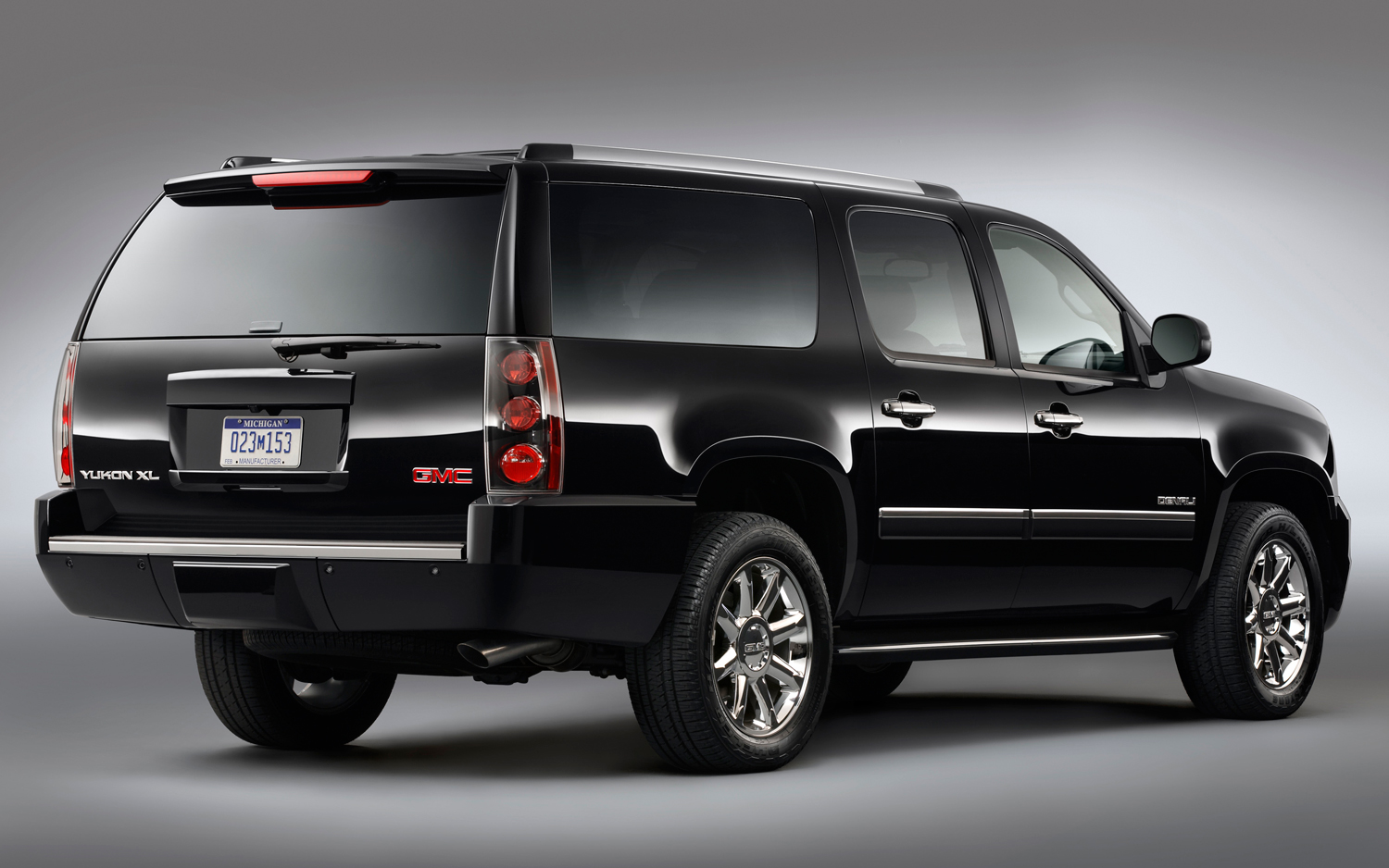 2013 gmc yukon xl information and photos zombiedrive. Black Bedroom Furniture Sets. Home Design Ideas
