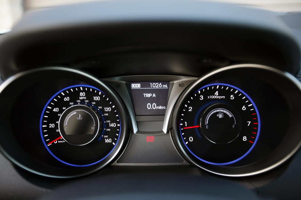 2013 Hyundai Genesis Image 11