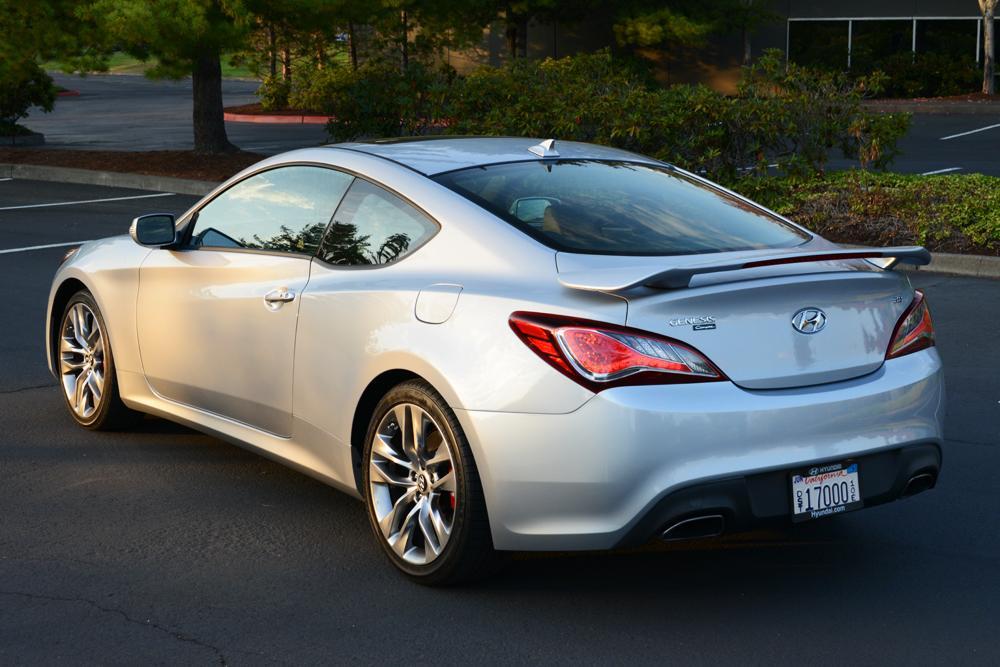 2013 Hyundai Genesis - Information and photos - ZombieDrive