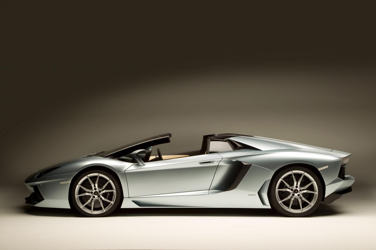 2013 Lamborghini Aventador Lp 700 4 Roadster At 217mph Can Make Your Heart Skip Image 15