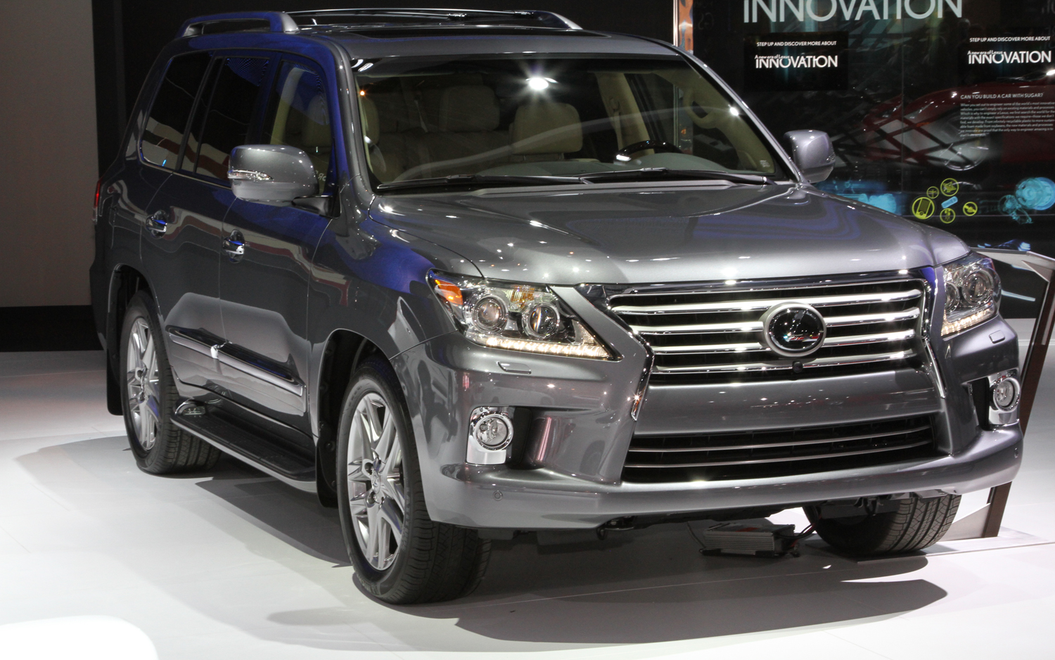 2013 Lexus LX 570 - Information and photos - ZombieDrive