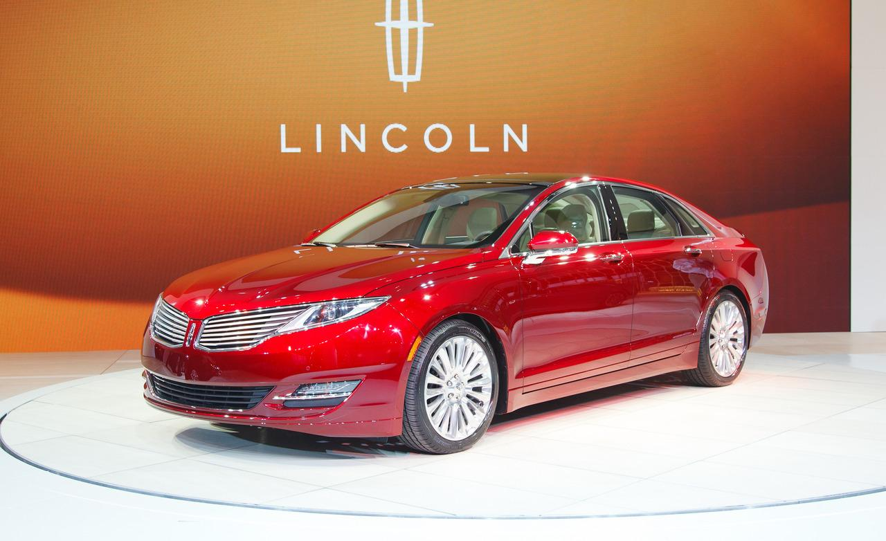 2013 Lincoln MKZ - Information and photos - ZombieDrive