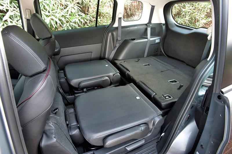 2013 Mazda MAZDA5 - Information and photos - ZombieDrive