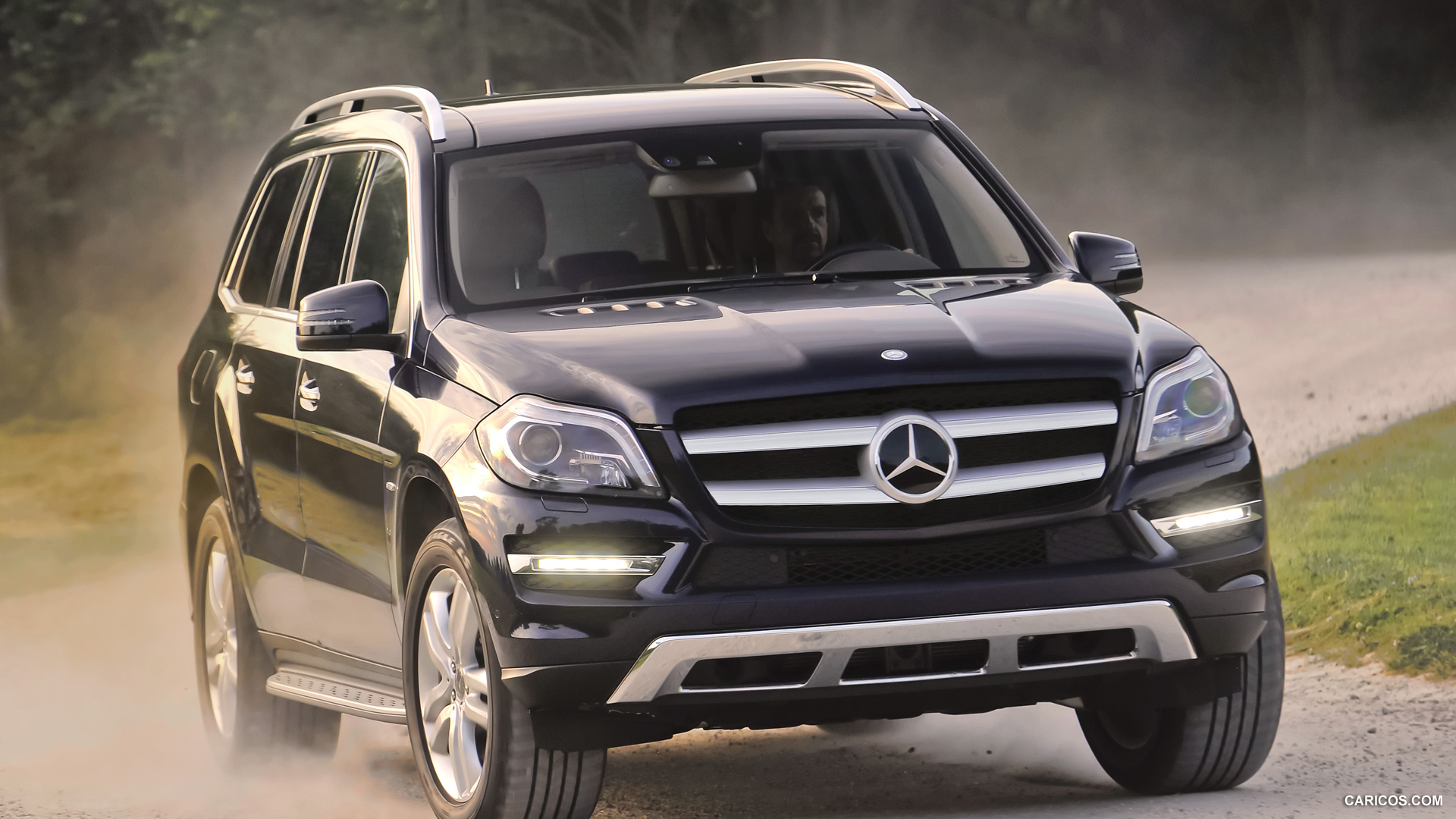 2013 mercedes benz gl class information and photos for Facts about mercedes benz